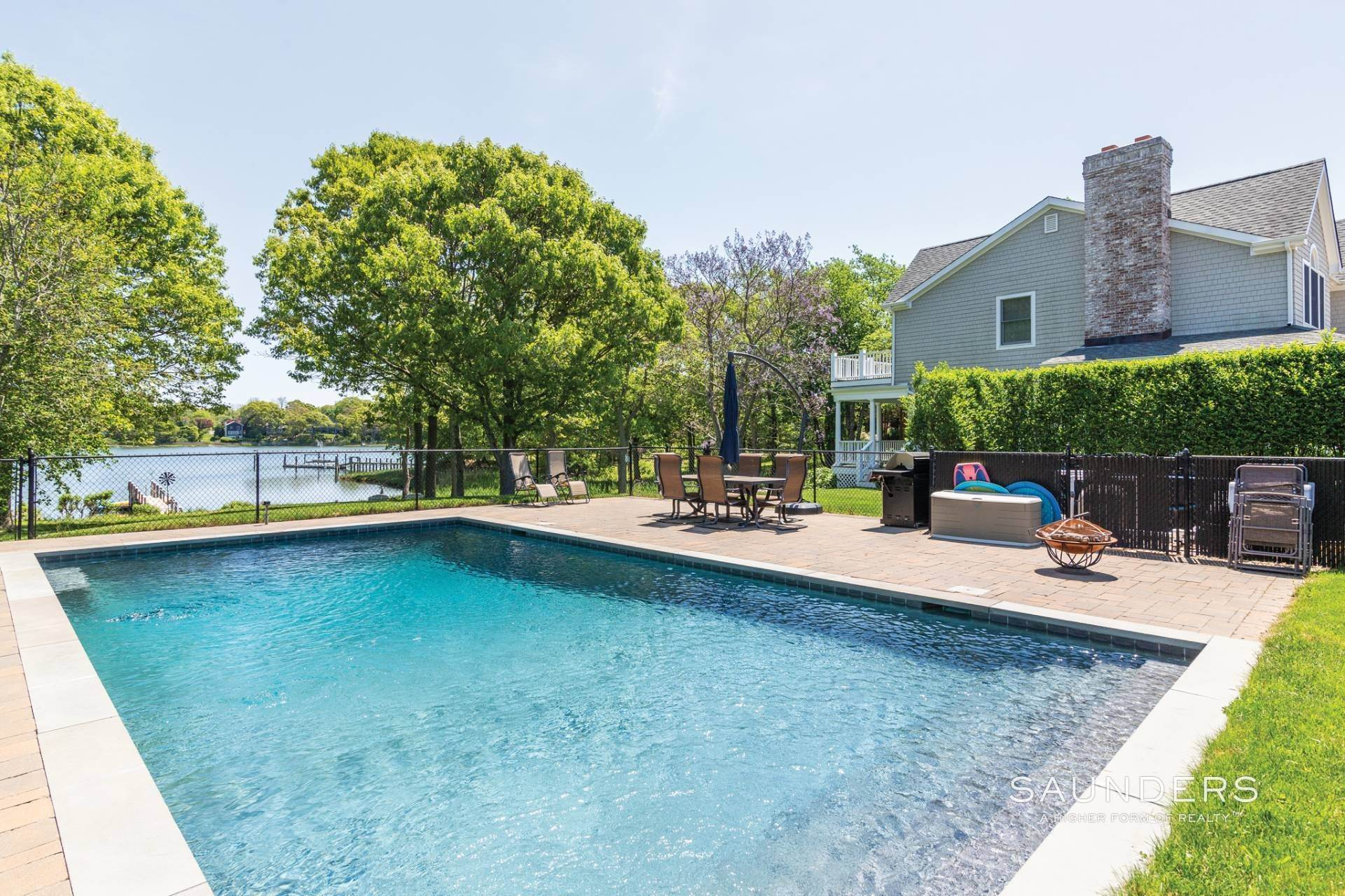 17. Single Family Homes at Shelter Island Creekfront With Dock And Pool Shelter Island, NY 11964