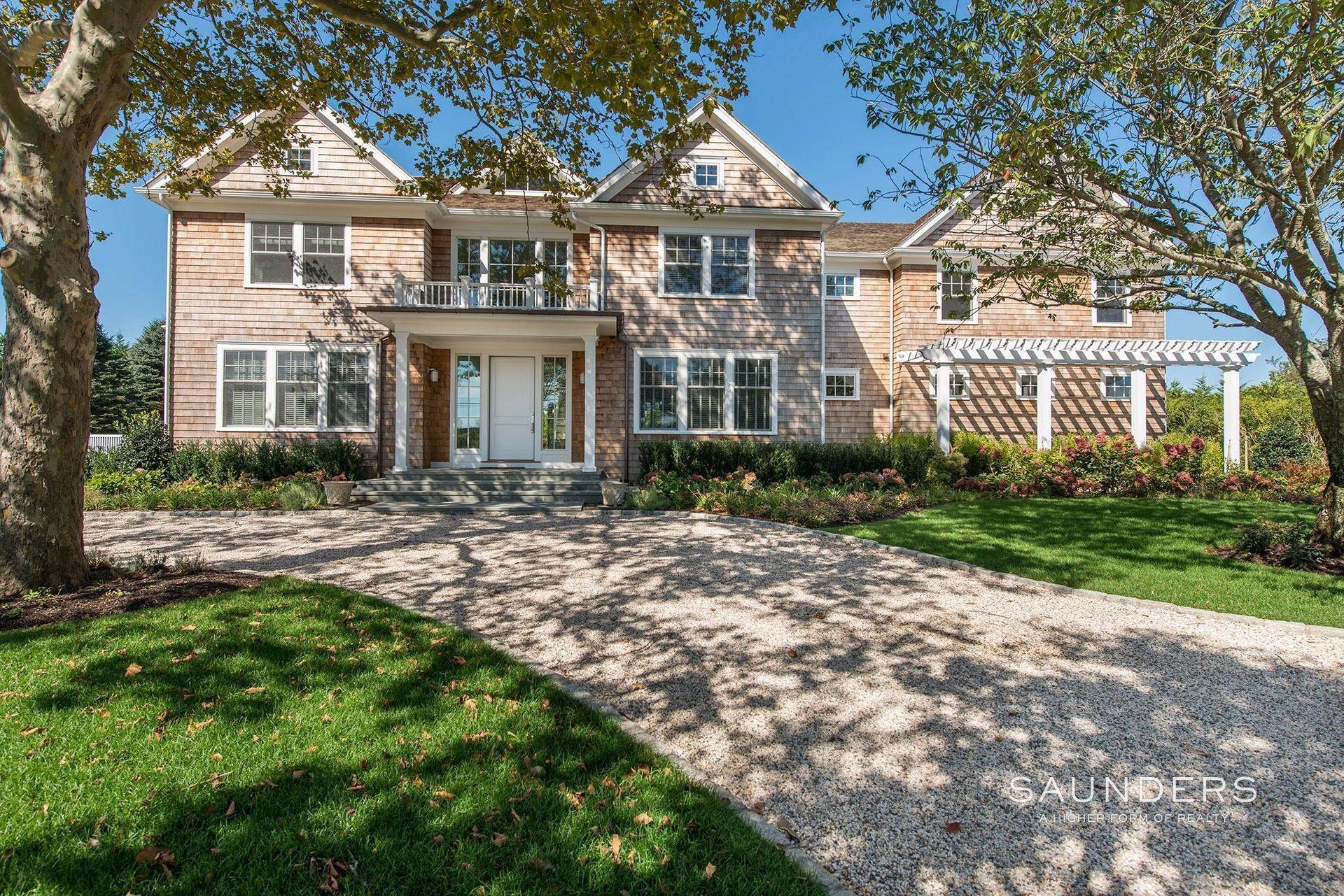 Single Family Homes at Bridgehampton South Custom Home 94 Kellis Pond Lane, Bridgehampton, Southampton Town, NY 11932
