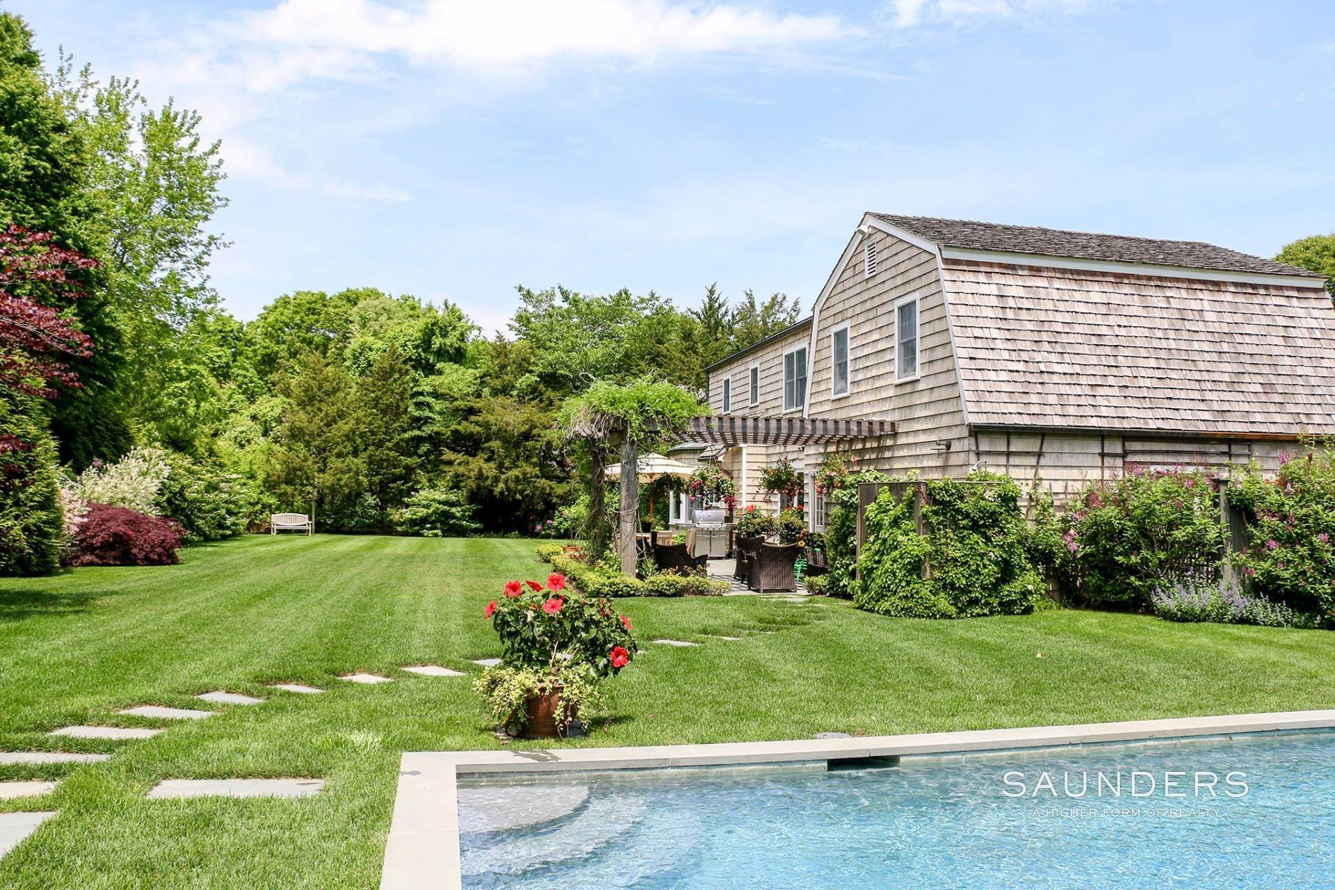 22. Single Family Homes at Beautiful Traditional Close To East Hampton Village East Hampton, East Hampton Town, NY 11937
