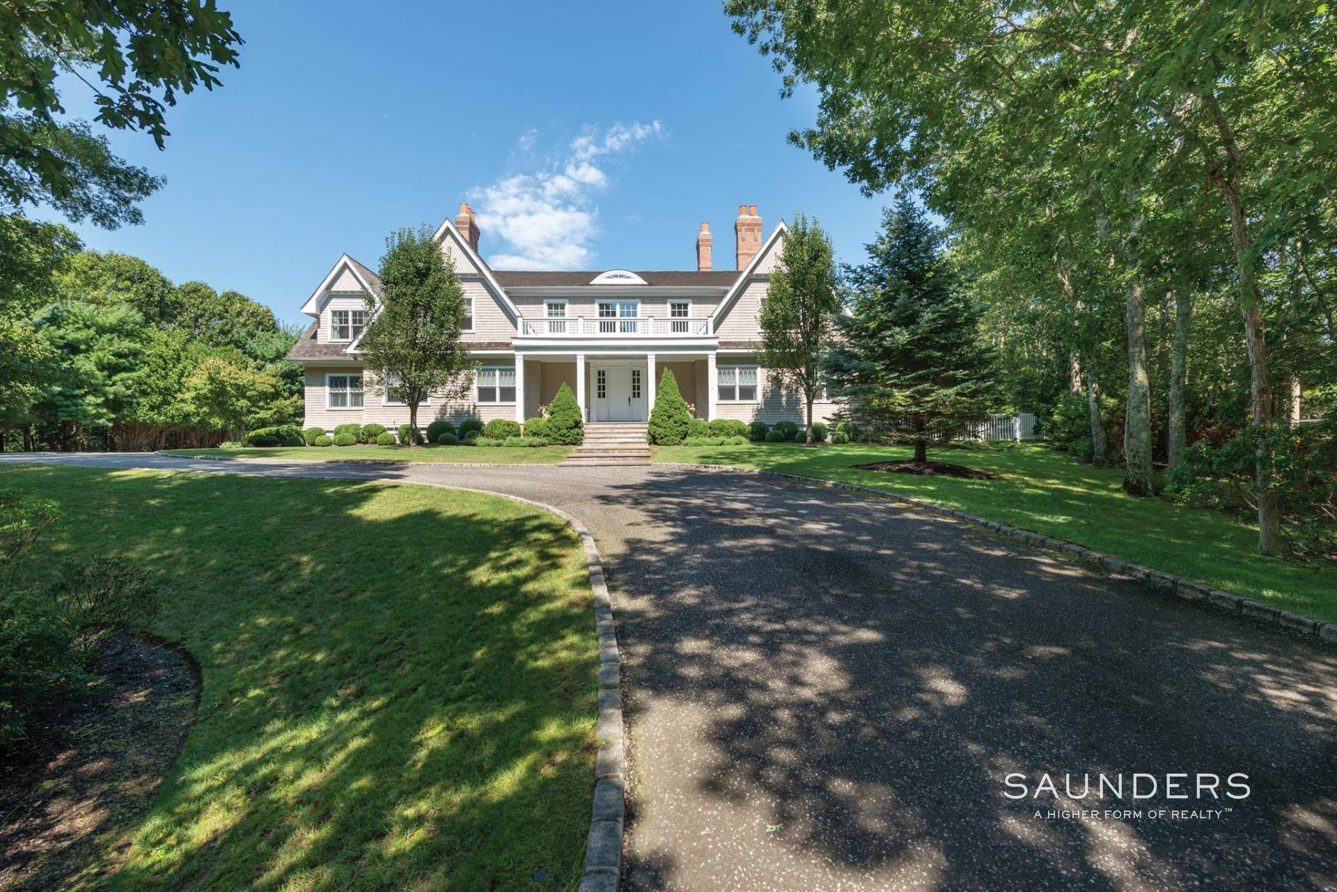 Single Family Homes at Beautiful Southampton Hills Traditional Southampton, Southampton Town, NY 11968