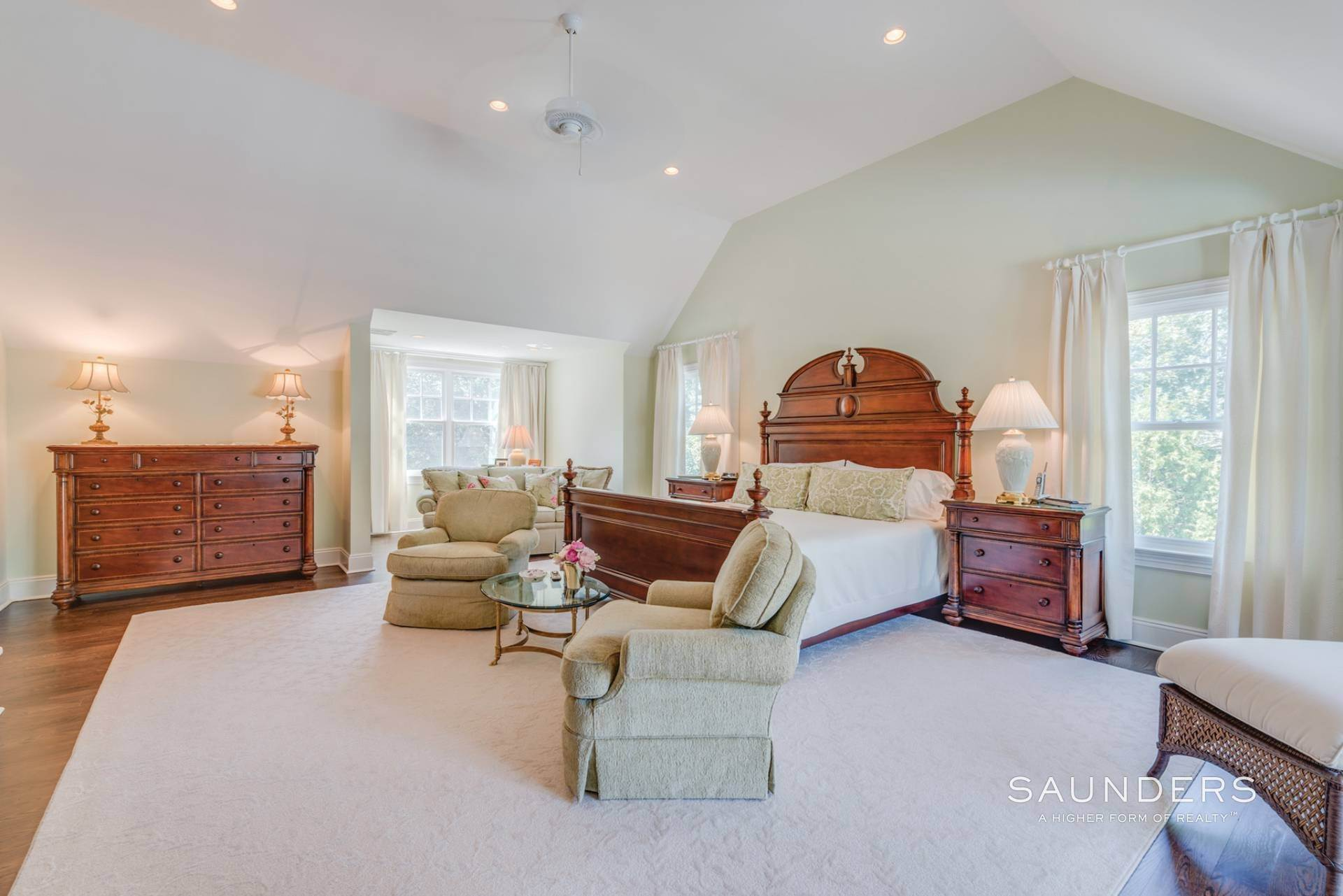 10. Single Family Homes at Beautiful Southampton Hills Traditional Southampton, Southampton Town, NY 11968