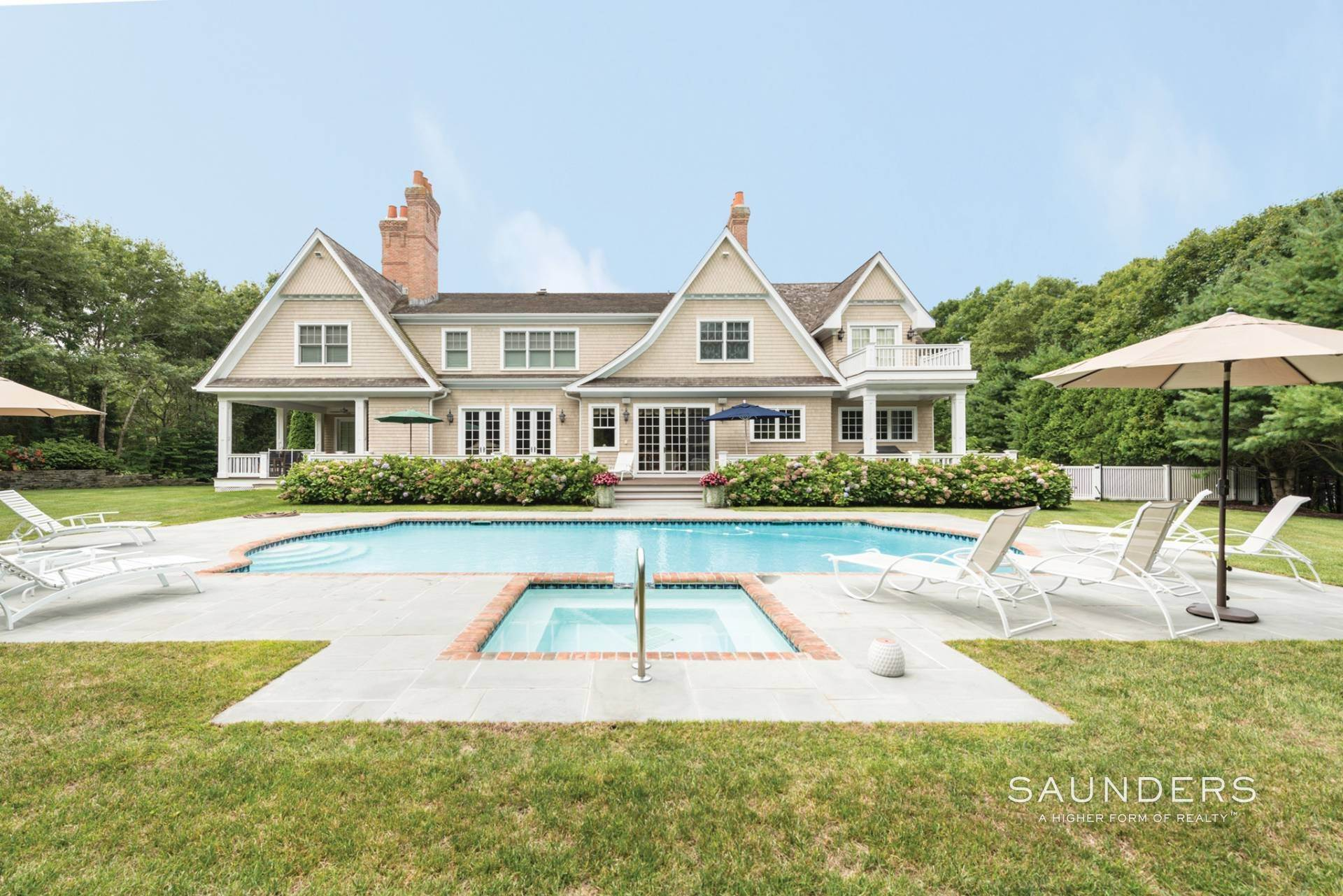 24. Single Family Homes at Beautiful Southampton Hills Traditional Southampton, Southampton Town, NY 11968