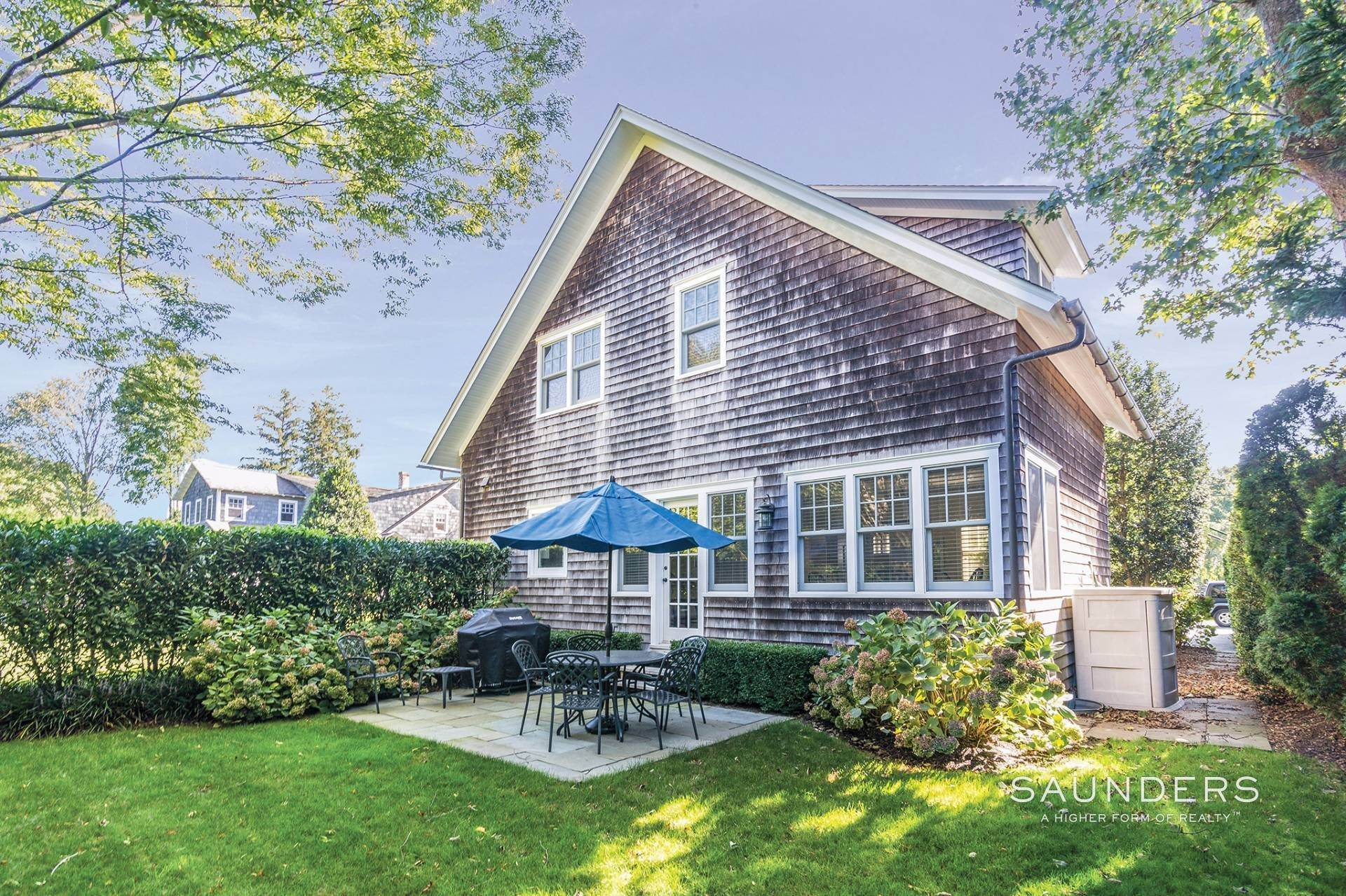2. Single Family Homes at Immaculate Village Home East Hampton, East Hampton Town, NY 11937