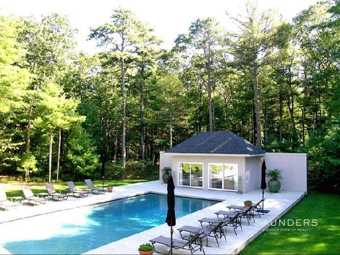 2. Single Family Homes at Contemporary Beauty East Hampton, East Hampton Town, NY 11937
