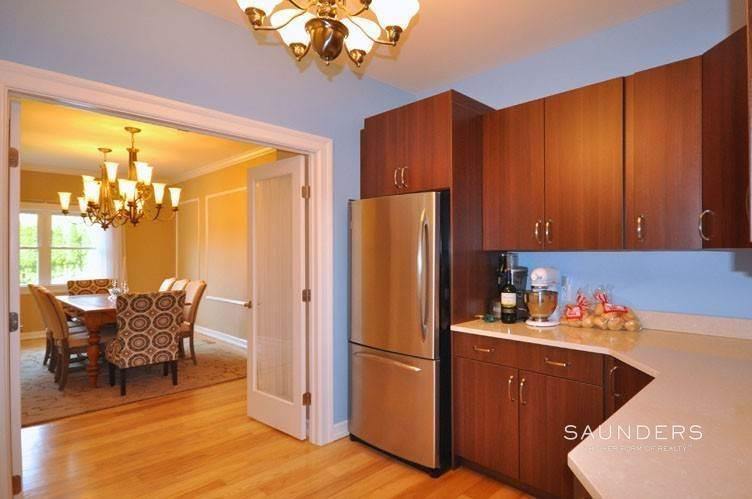 8. Single Family Homes at Village Vicinity East Hampton, East Hampton Town, NY 11937