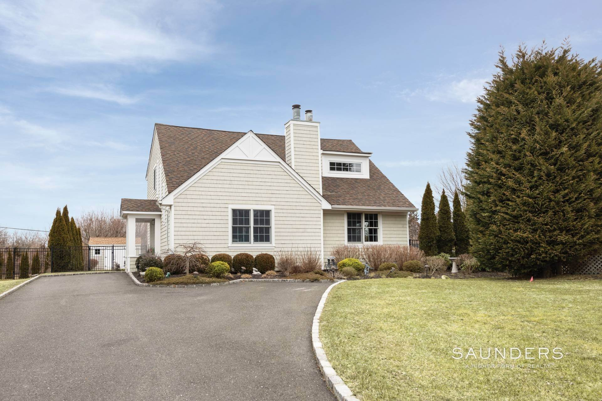 Single Family Homes at Southampton Village Saltbox Southampton, Southampton Town, NY 11968