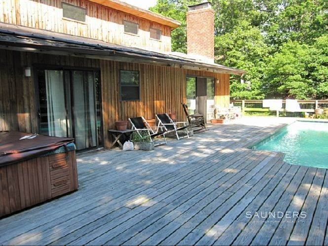 2. Single Family Homes for Sale at East Hampton Contemporary East Hampton, East Hampton Town, NY 11937