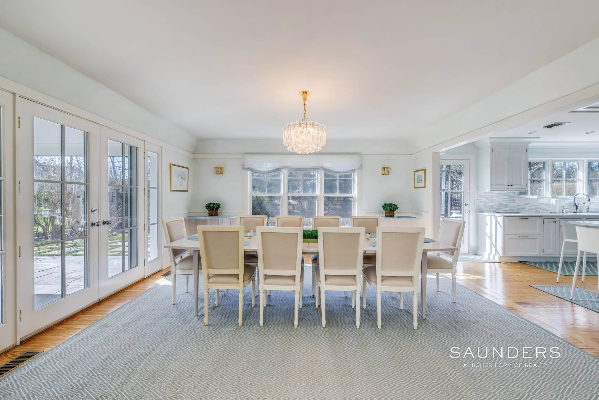 5. Single Family Homes at Pool And Tennis Southampton Village Southampton, Southampton Town, NY 11968