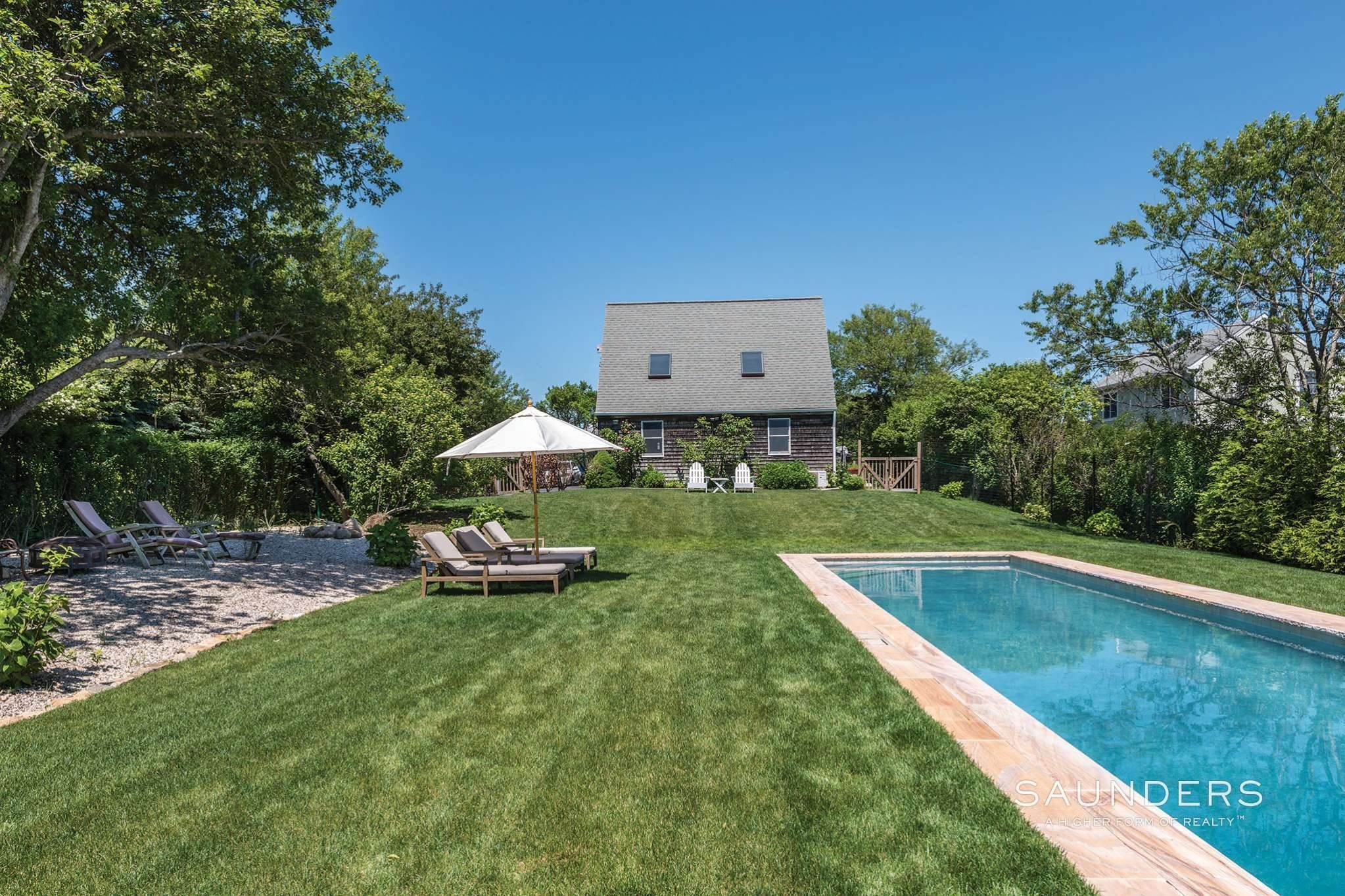 22. Single Family Homes at Montauk Beauty With Lake Views Montauk, East Hampton Town, NY 11954