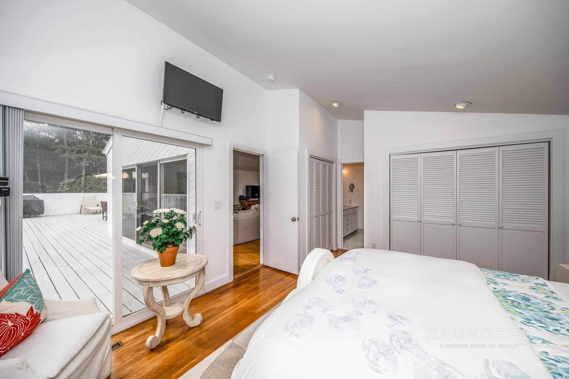 14. Single Family Homes at Immaculate! Sleek And Modern Beach Home In East Hampton East Hampton, East Hampton Town, NY 11937