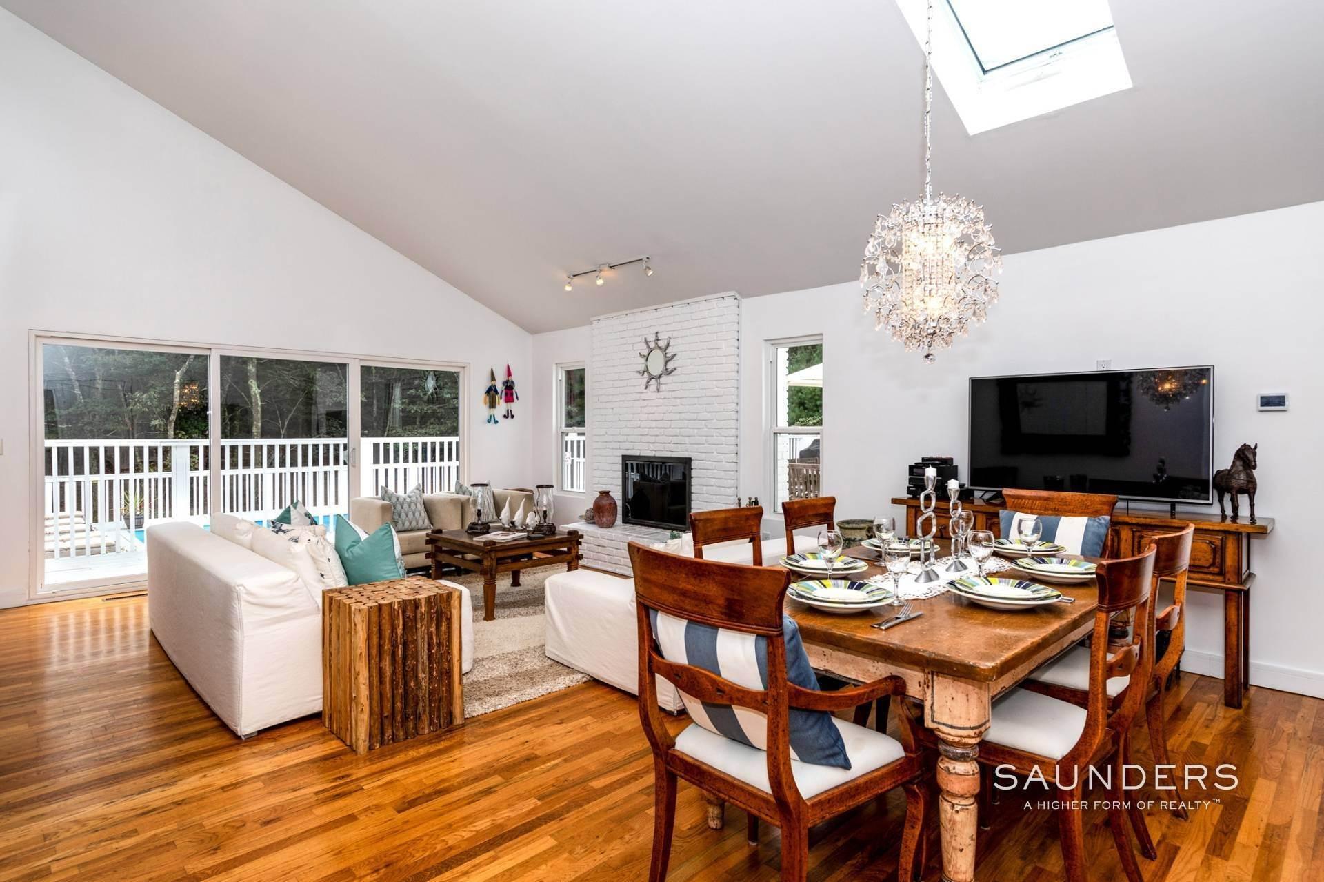 10. Single Family Homes at Immaculate! Sleek And Modern Beach Home In East Hampton East Hampton, East Hampton Town, NY 11937