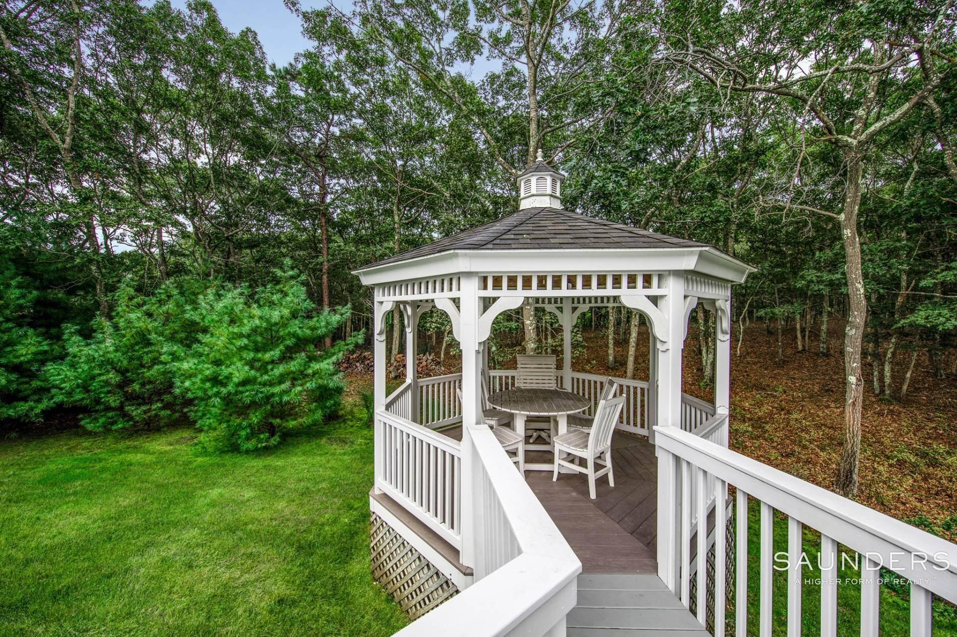 5. Single Family Homes at Immaculate! Sleek And Modern Beach Home In East Hampton East Hampton, East Hampton Town, NY 11937