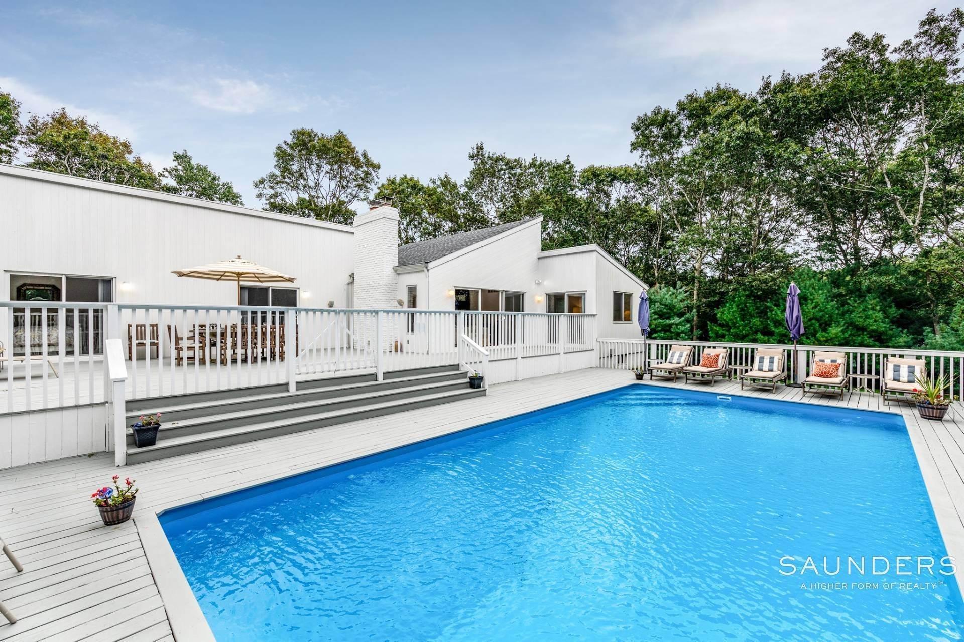 4. Single Family Homes at Immaculate! Sleek And Modern Beach Home In East Hampton East Hampton, East Hampton Town, NY 11937