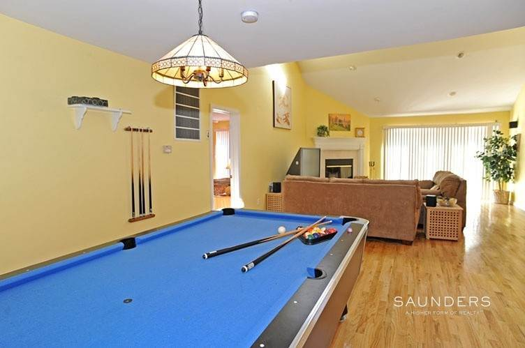 8. Single Family Homes for Sale at Sag Harbor Retreat With Pool And Tennis Sag Harbor, Southampton Town, NY 11963