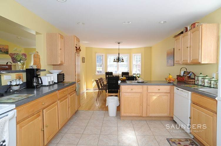 10. Single Family Homes for Sale at Sag Harbor Retreat With Pool And Tennis Sag Harbor, Southampton Town, NY 11963