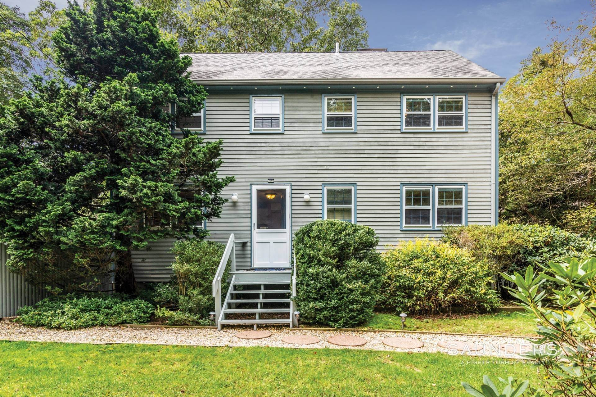 Single Family Homes at Perfect And Easy Rental In Springs! East Hampton, East Hampton Town, NY 11937