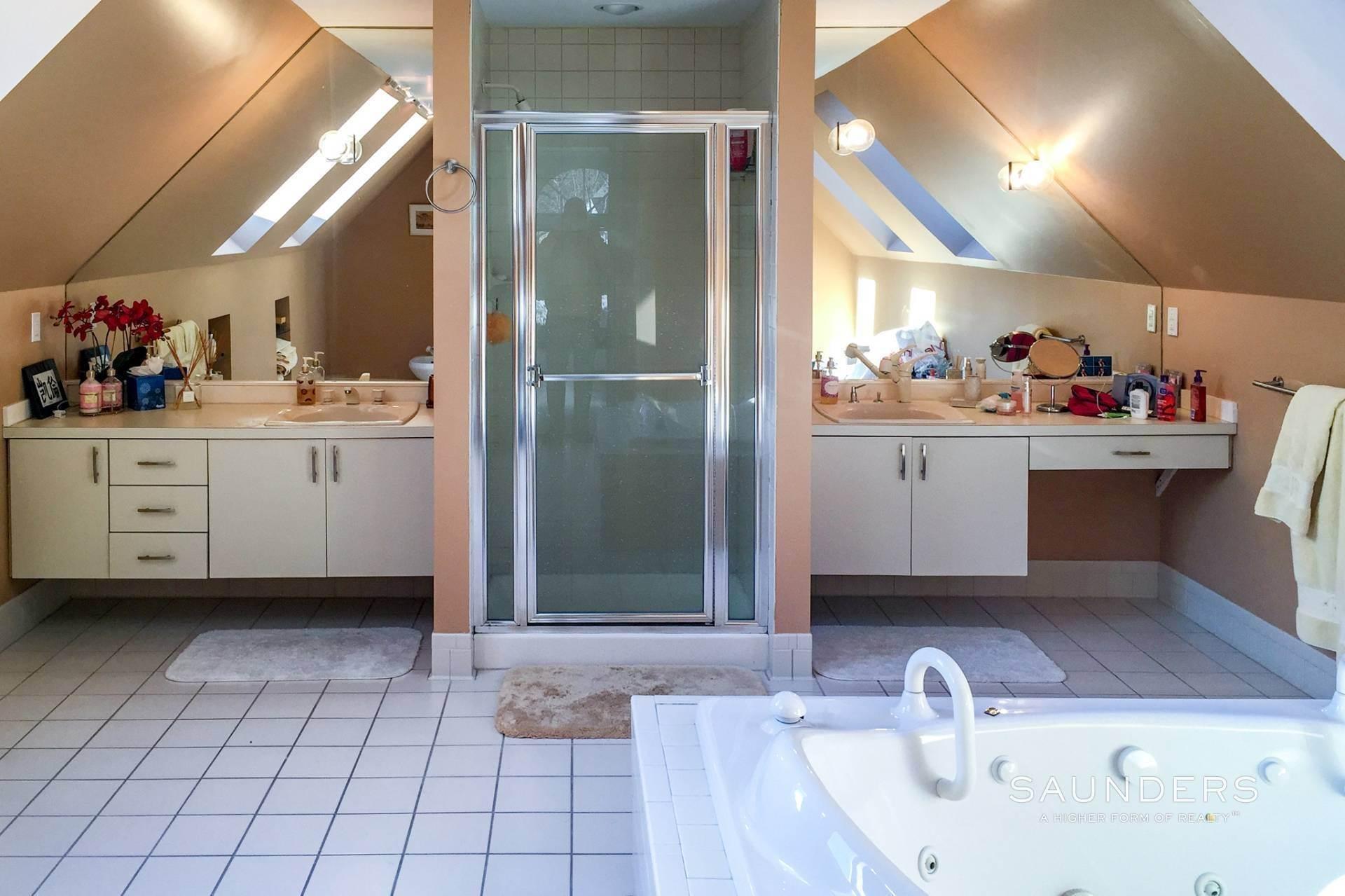 9. Single Family Homes at Wainscott North Retreat Wainscott, East Hampton Town, NY 11975