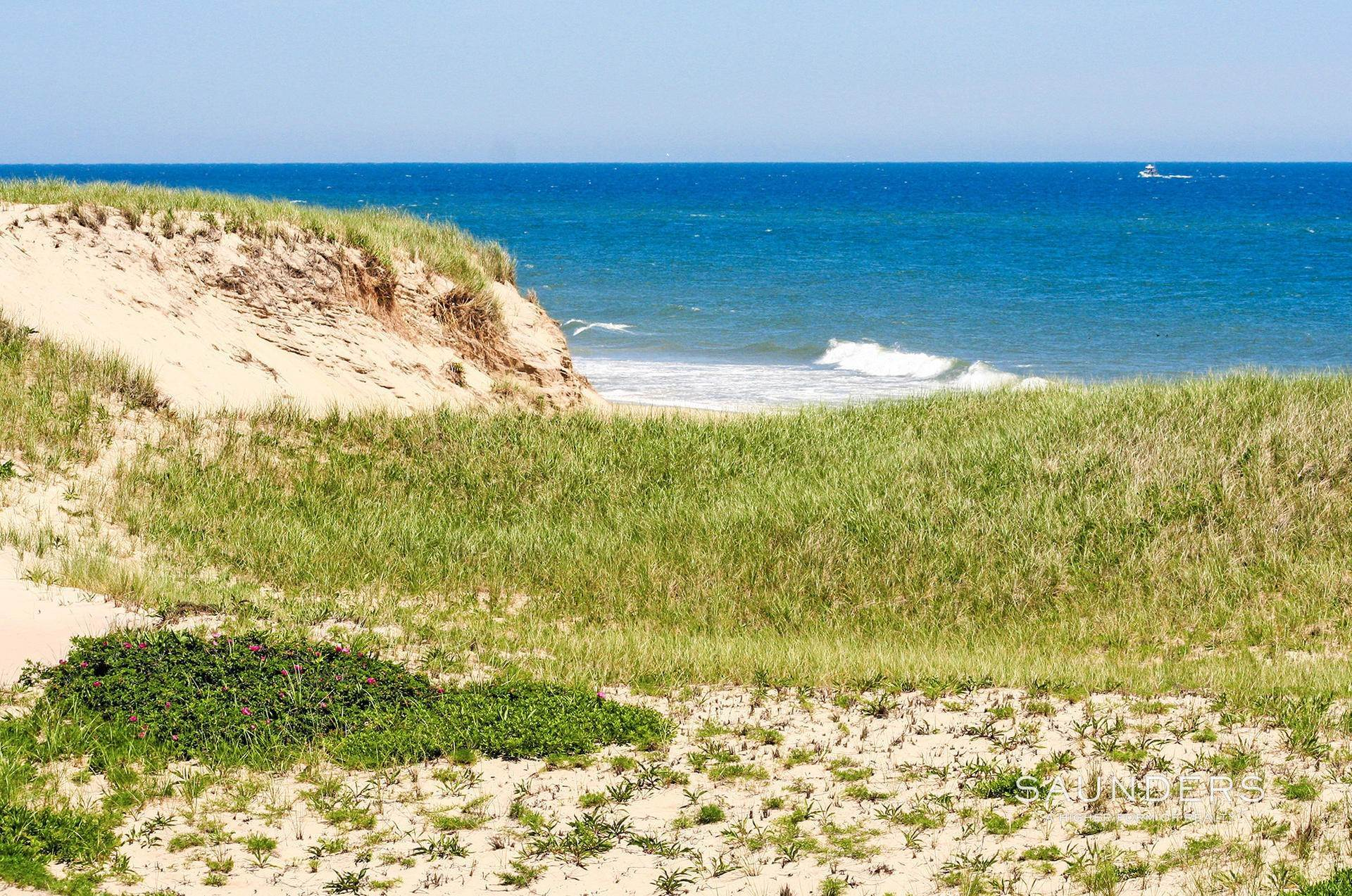 4. Land for Sale at Amagansett Opportunity Amagansett, East Hampton Town, NY 11930