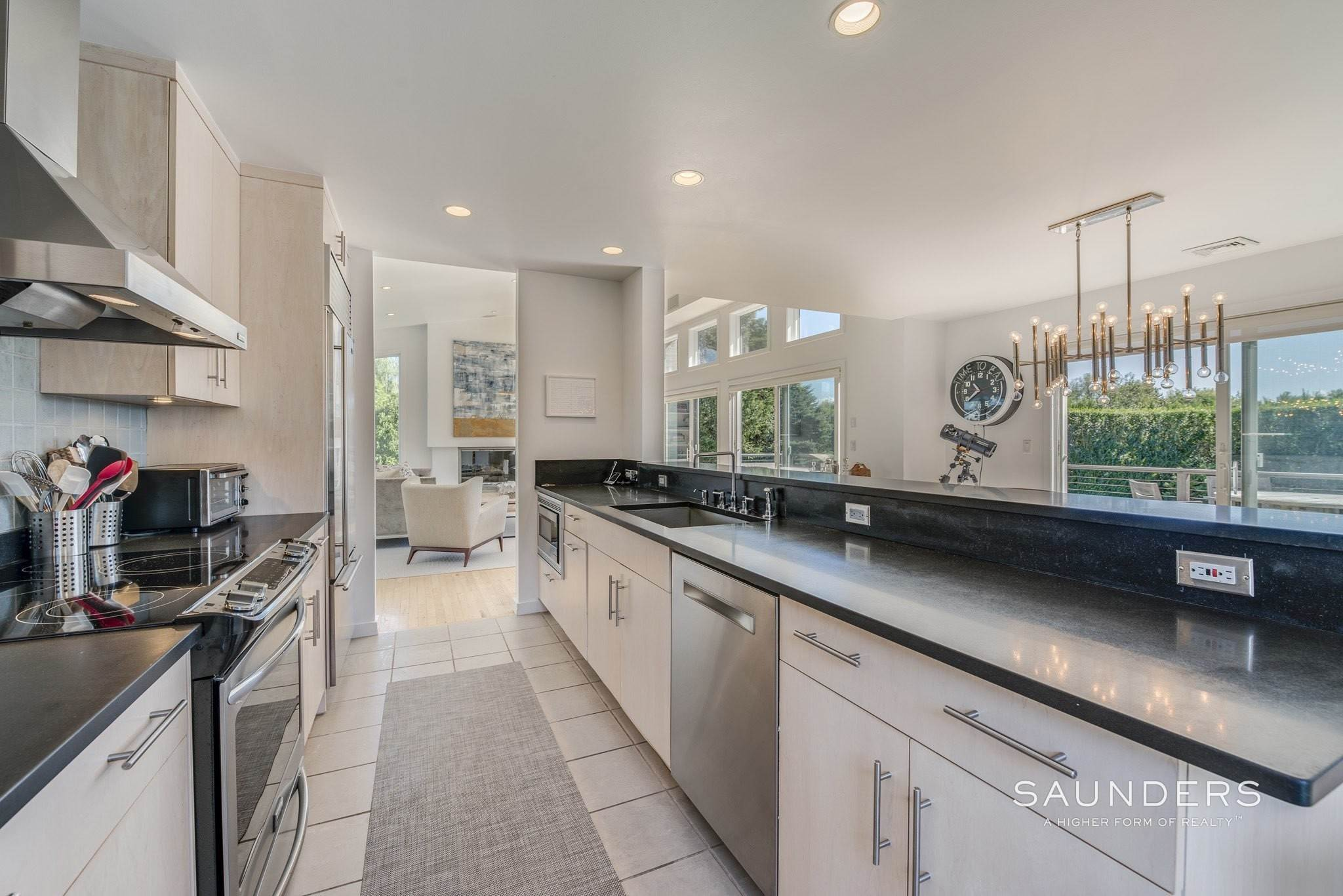 11. Single Family Homes for Sale at Beach Lover's Dream 107 Town Line Road, Wainscott, East Hampton Town, NY 11975