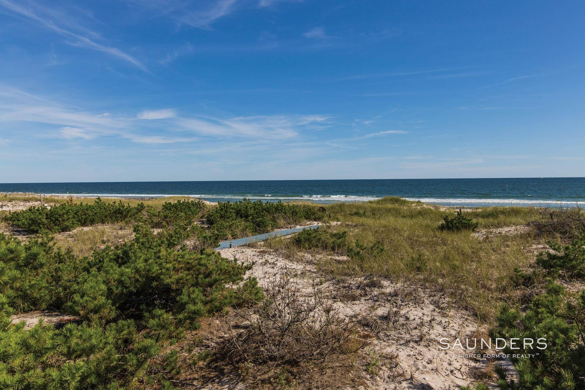 3. Single Family Homes at Gorgeous Oceanfront With Row To Bay Westhampton, Southampton Town, NY 11976