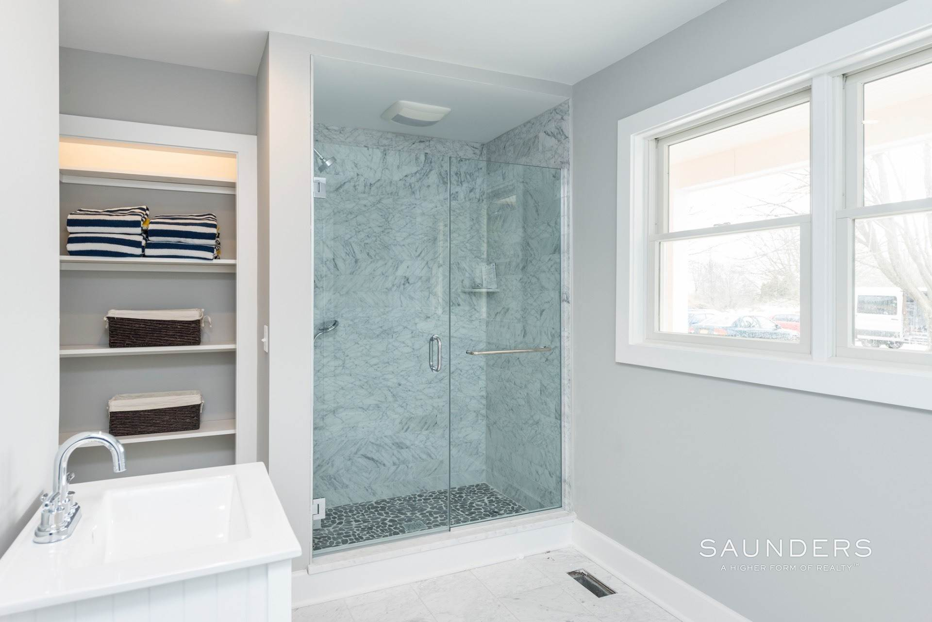 15. Single Family Homes for Sale at New Sagaponack Modern Farmhouse On Reserve Sagaponack Village, Southampton Town, NY 11962