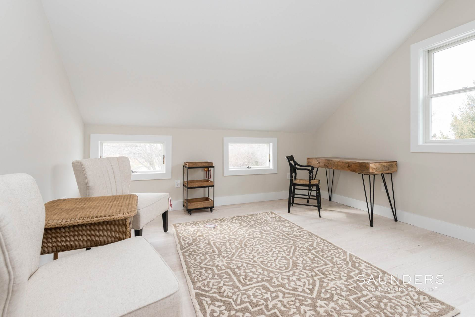 12. Single Family Homes for Sale at New Sagaponack Modern Farmhouse On Reserve Sagaponack Village, Southampton Town, NY 11962