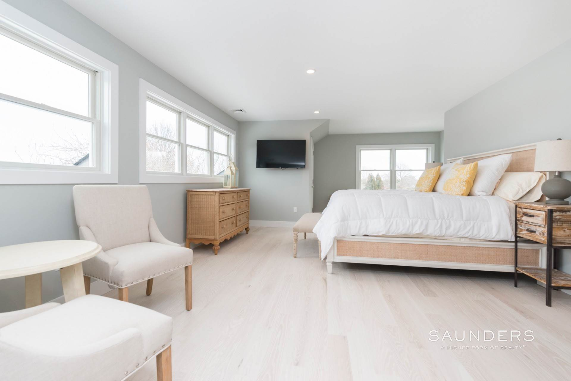 11. Single Family Homes for Sale at New Sagaponack Modern Farmhouse On Reserve Sagaponack Village, Southampton Town, NY 11962