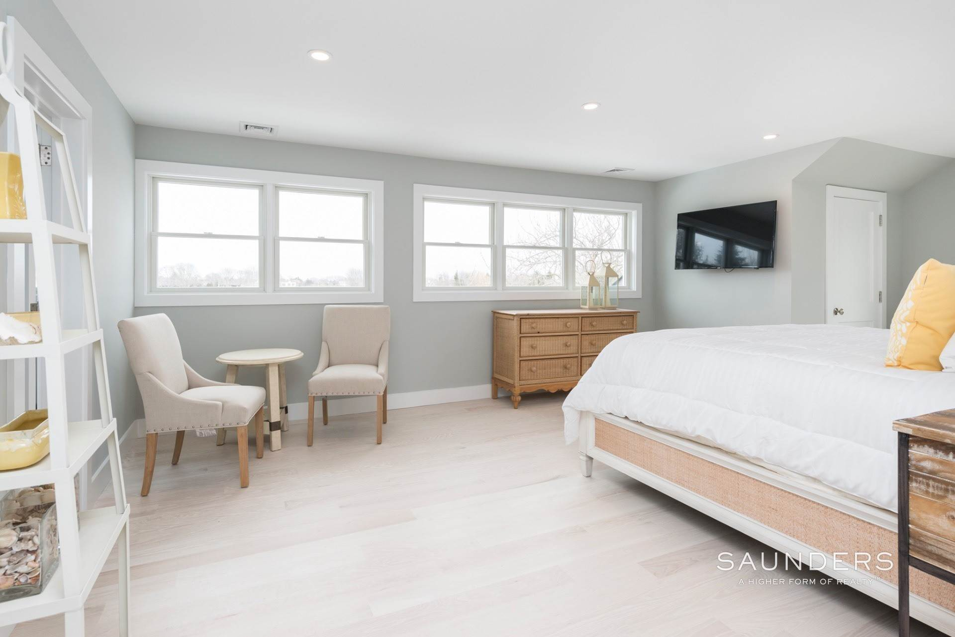 10. Single Family Homes for Sale at New Sagaponack Modern Farmhouse On Reserve Sagaponack Village, Southampton Town, NY 11962