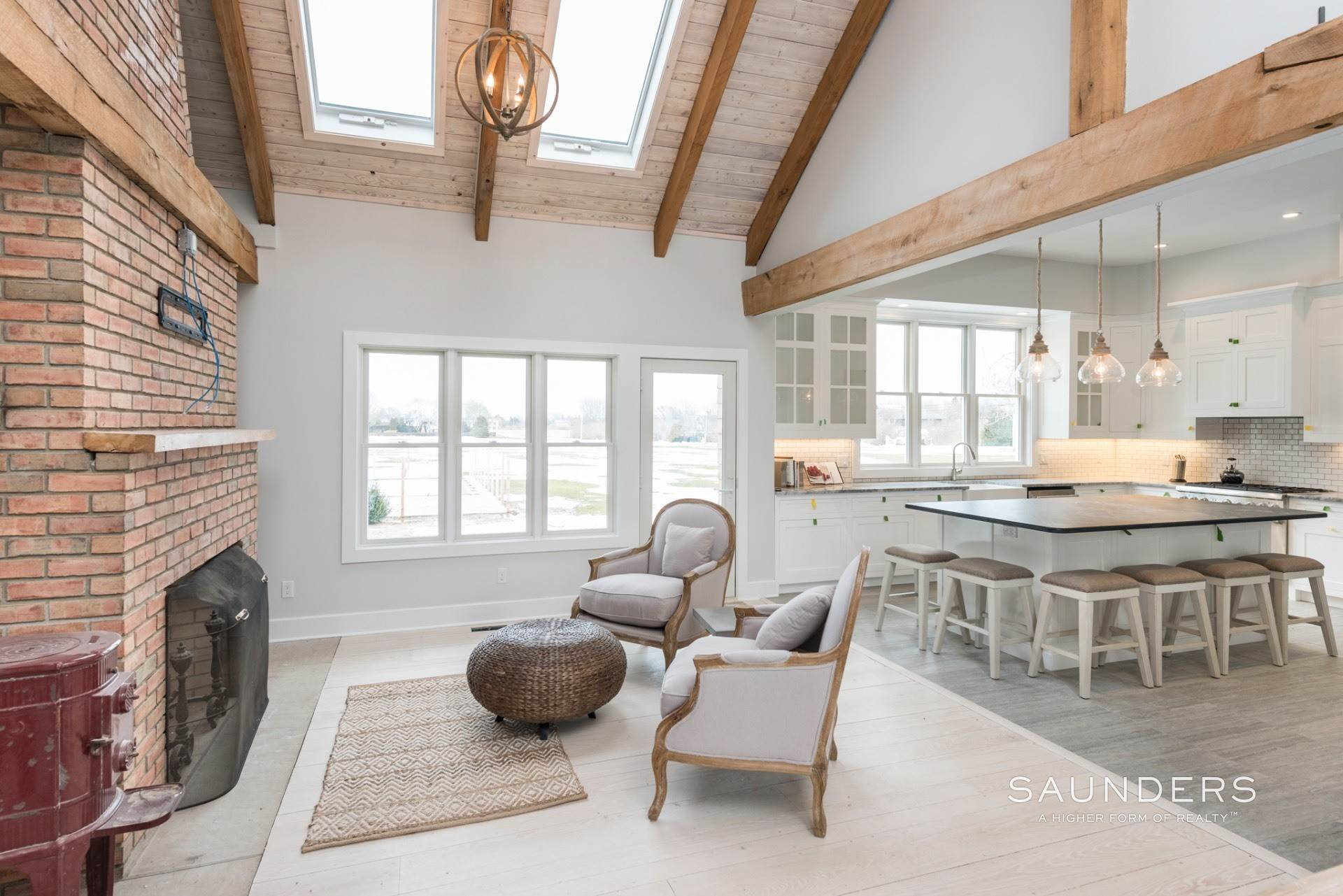 8. Single Family Homes for Sale at New Sagaponack Modern Farmhouse On Reserve Sagaponack Village, Southampton Town, NY 11962