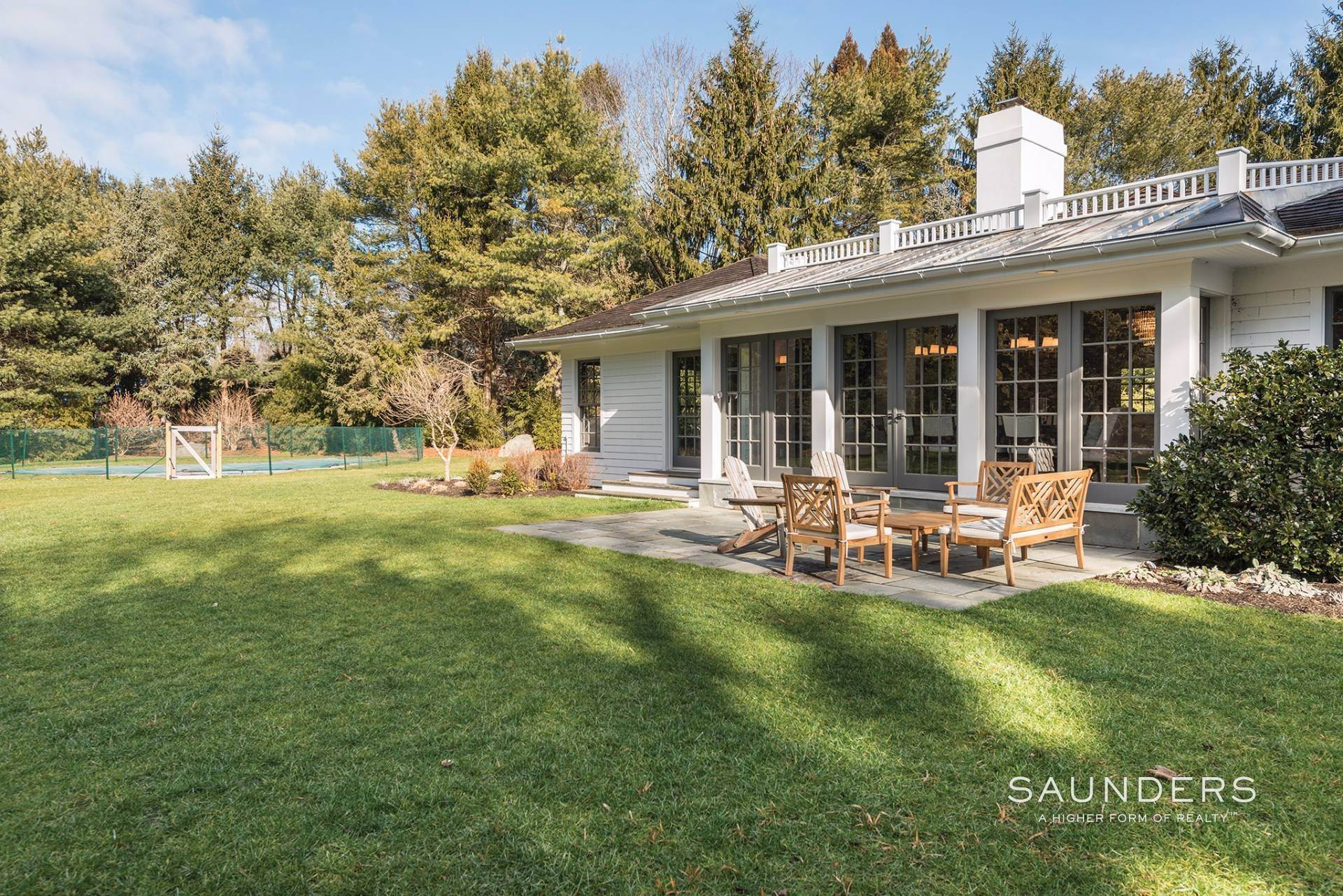 4. Single Family Homes for Sale at East Hampton Village 4 Carriage Court, East Hampton, East Hampton Town, NY 11937
