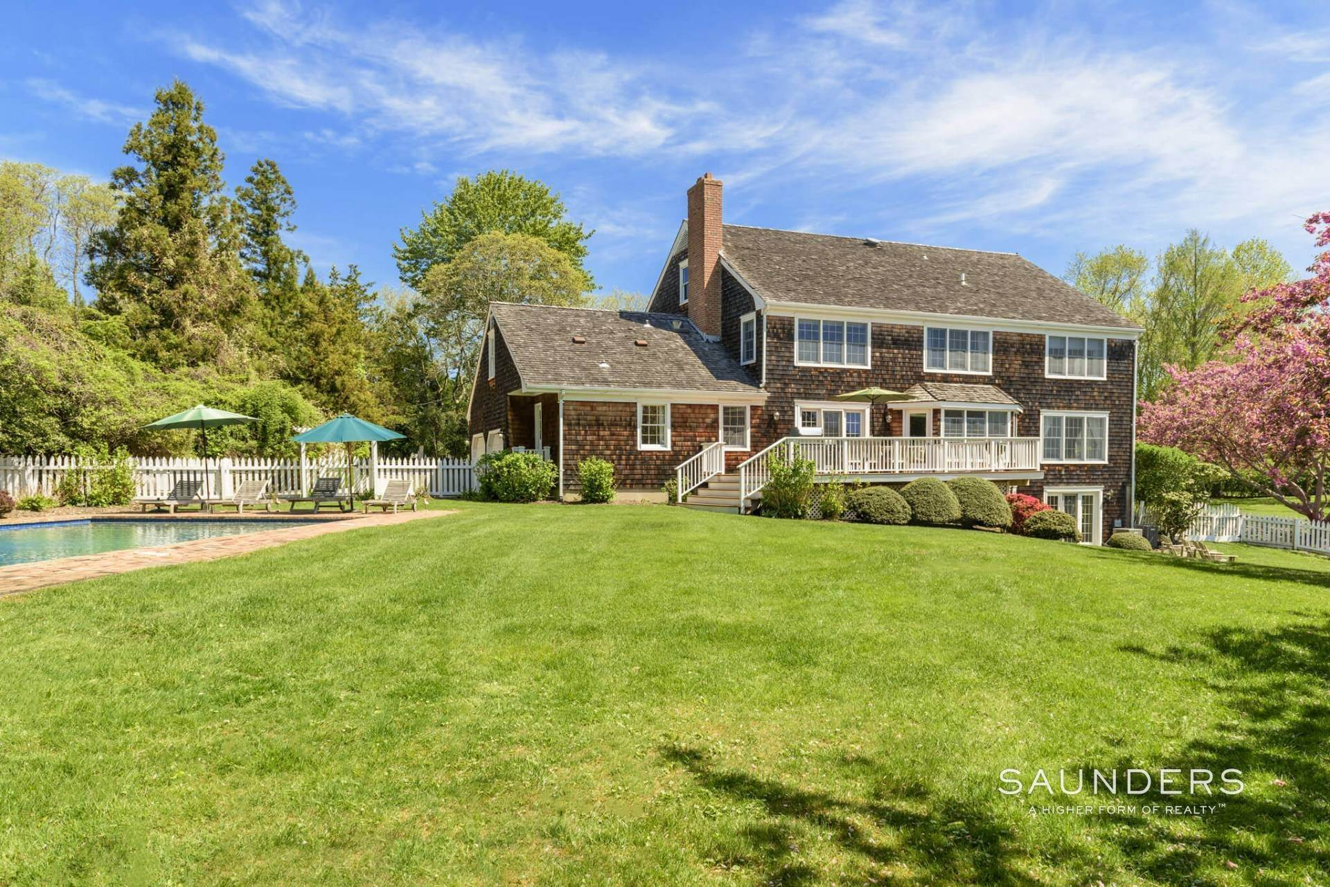 19. Single Family Homes for Sale at Waterfront Home In Southampton Village Estate Section 370 Great Plains Road, Southampton, Southampton Town, NY 11968