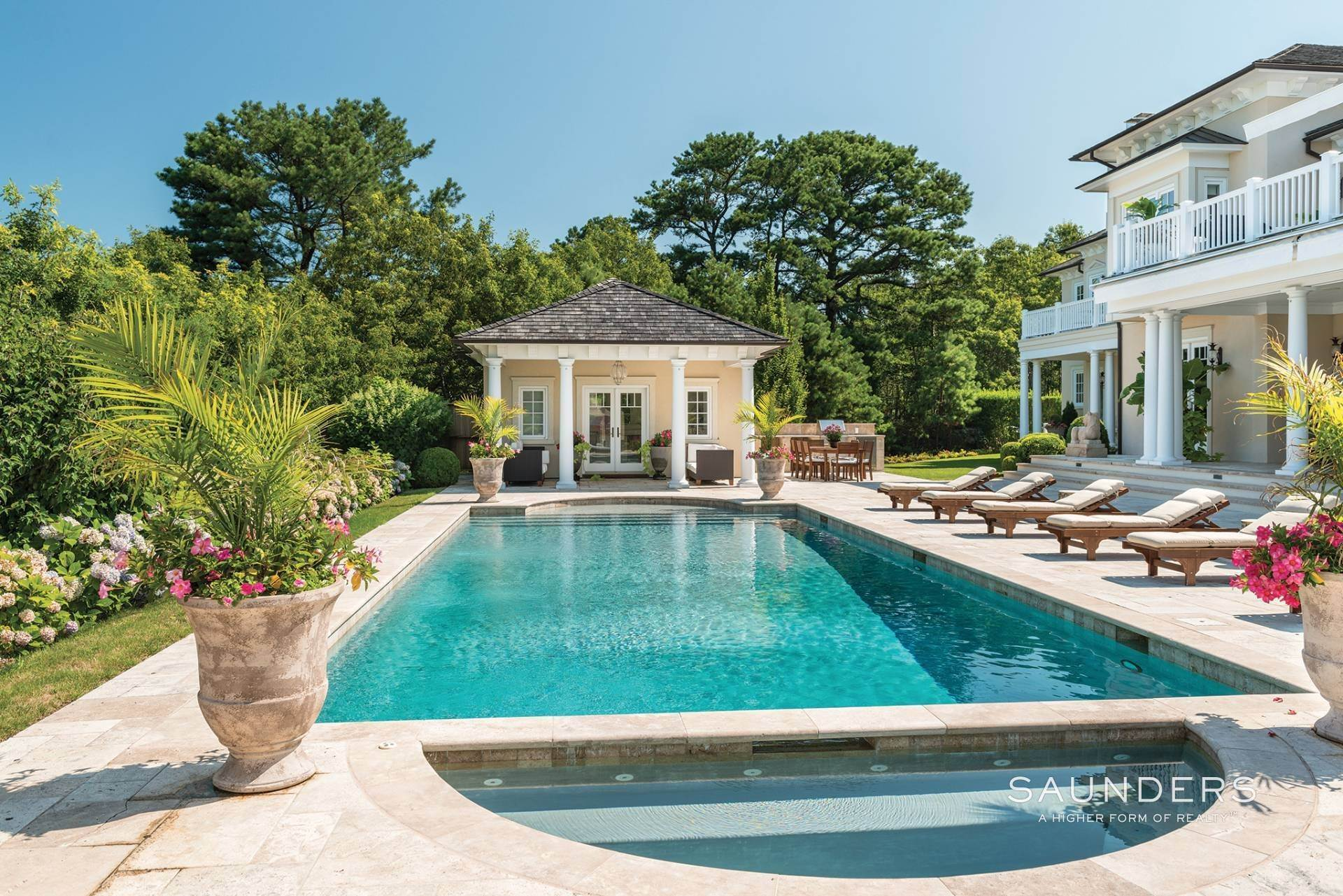 24. Single Family Homes for Sale at Palladio House 235 Roses Grove Road, Southampton, Southampton Town, NY 11976