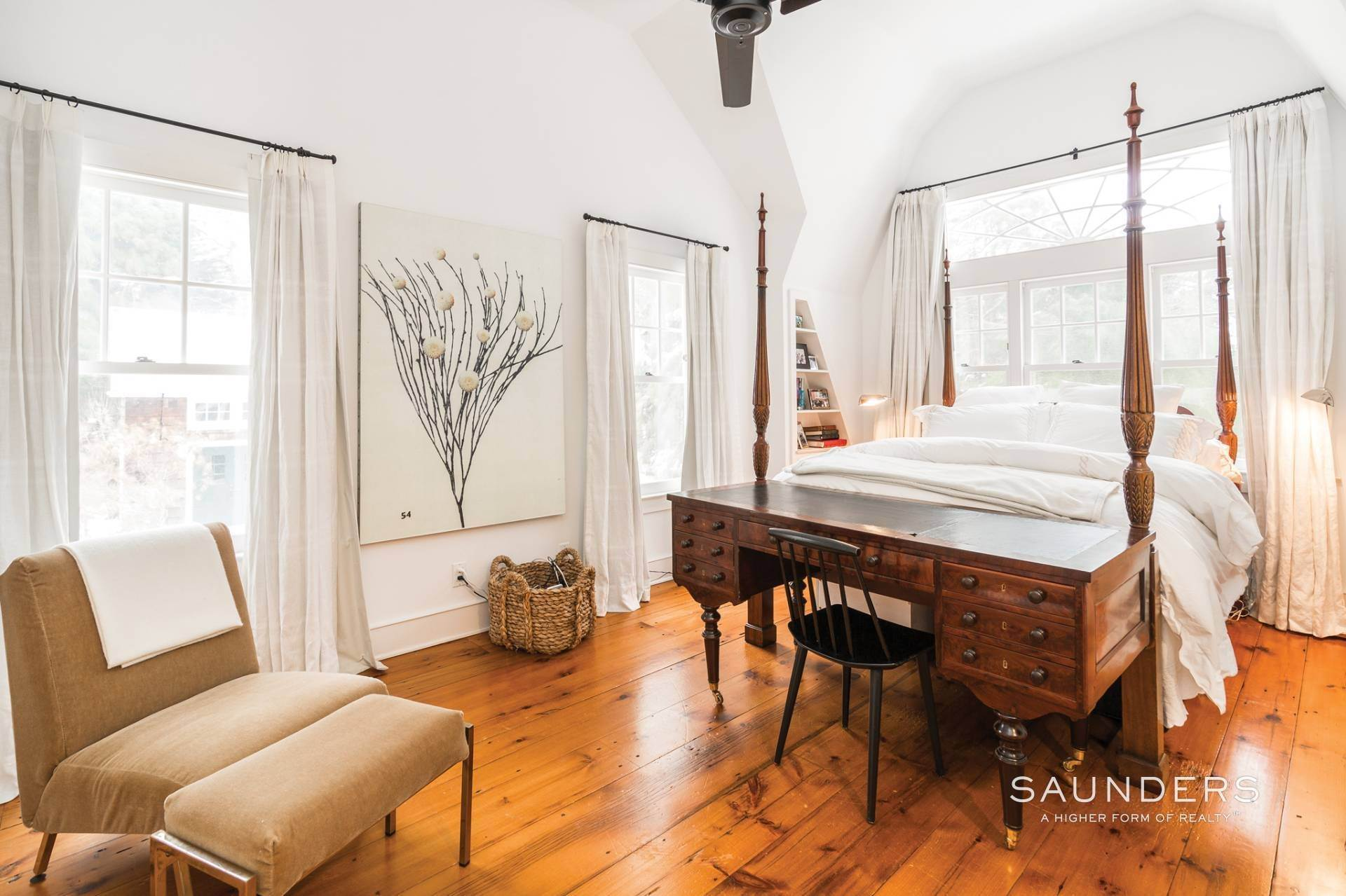 8. Single Family Homes for Sale at Egypt Lane Charmer 24 Egypt Lane, East Hampton, East Hampton Town, NY 11937