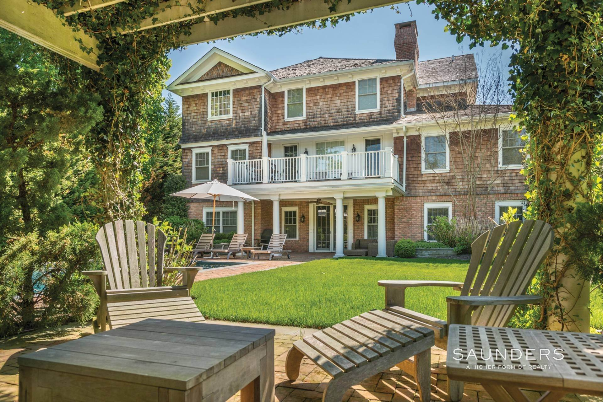 3. Single Family Homes at Magnificent Southampton Village Estate Section Rental 45 Captains Neck Lane, Southampton, Southampton Town, NY 11968