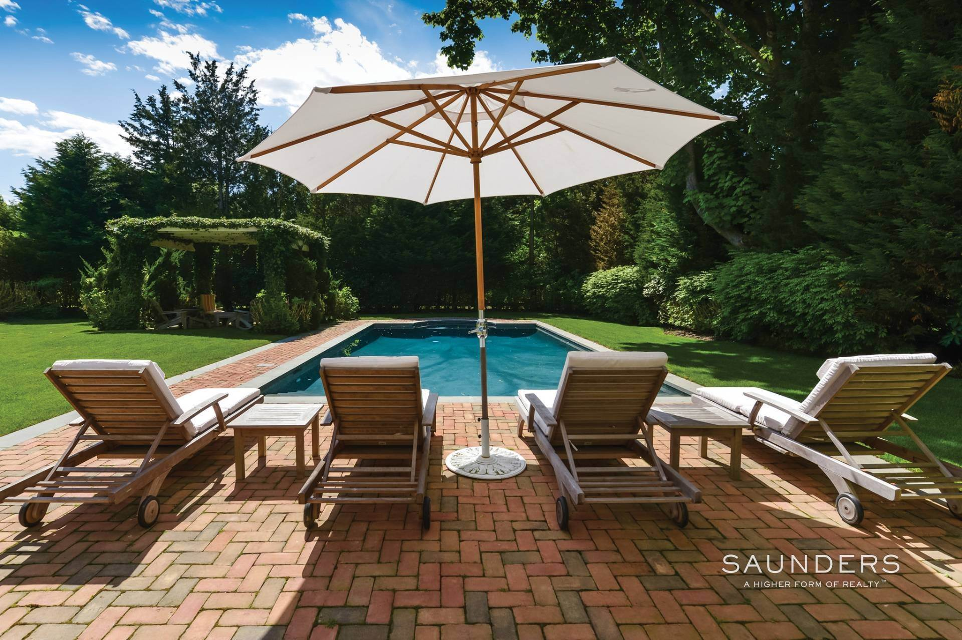 2. Single Family Homes at Magnificent Southampton Village Estate Section Rental 45 Captains Neck Lane, Southampton, Southampton Town, NY 11968