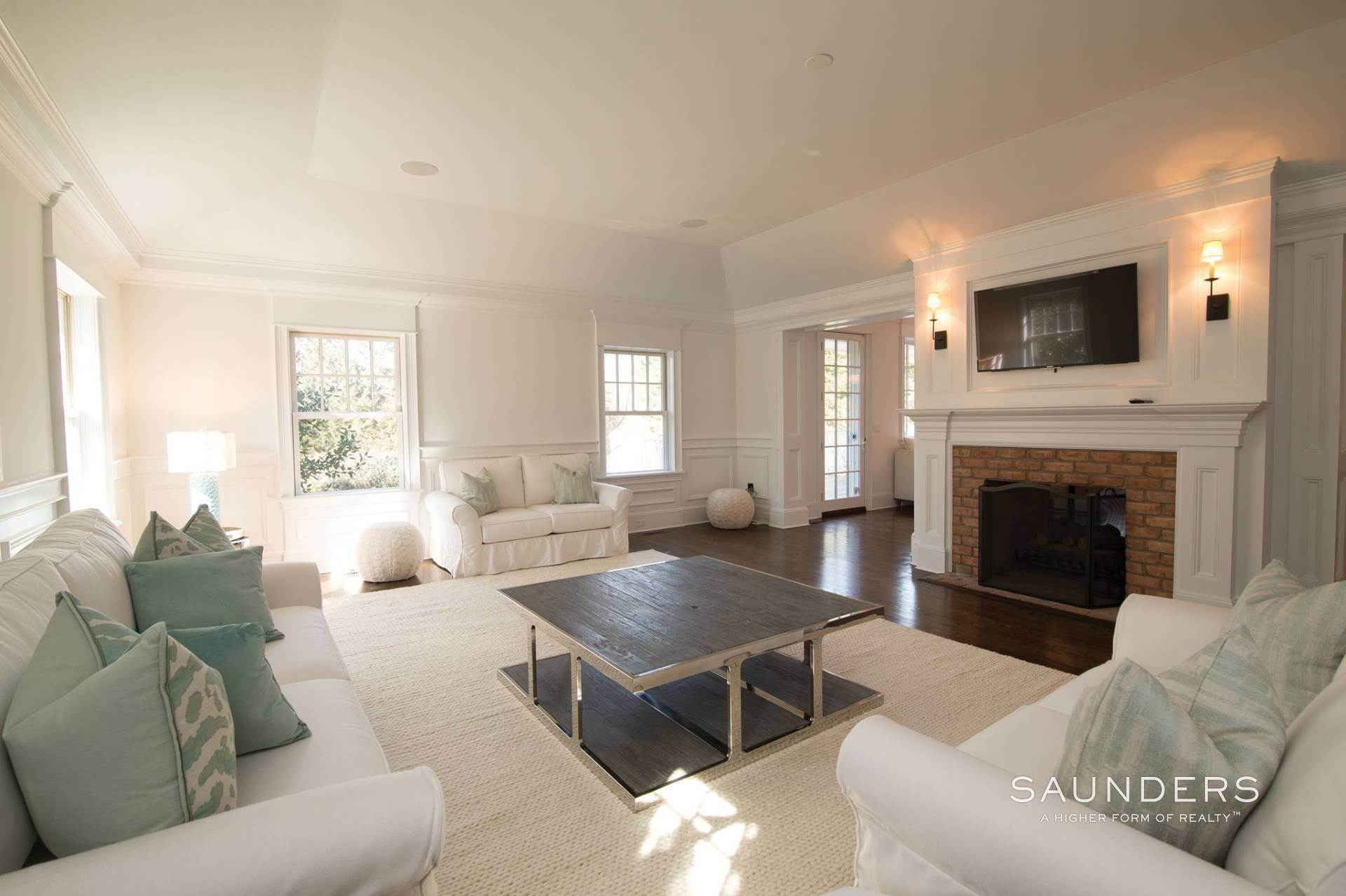 4. Single Family Homes at Magnificent Southampton Village Estate Section Rental 45 Captains Neck Lane, Southampton, Southampton Town, NY 11968