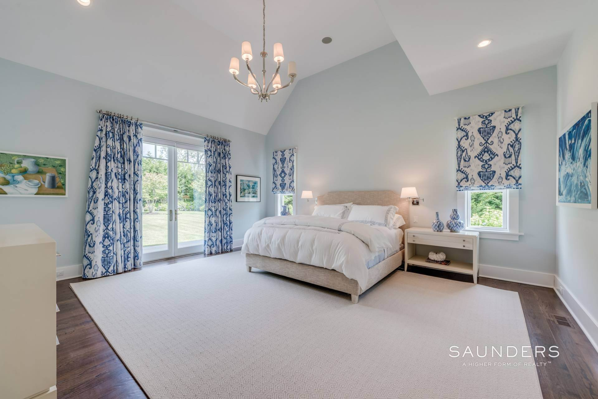 14. Single Family Homes for Sale at Pristine Shingled Traditional In Bridgehampton South Bridgehampton, Southampton Town, NY 11976