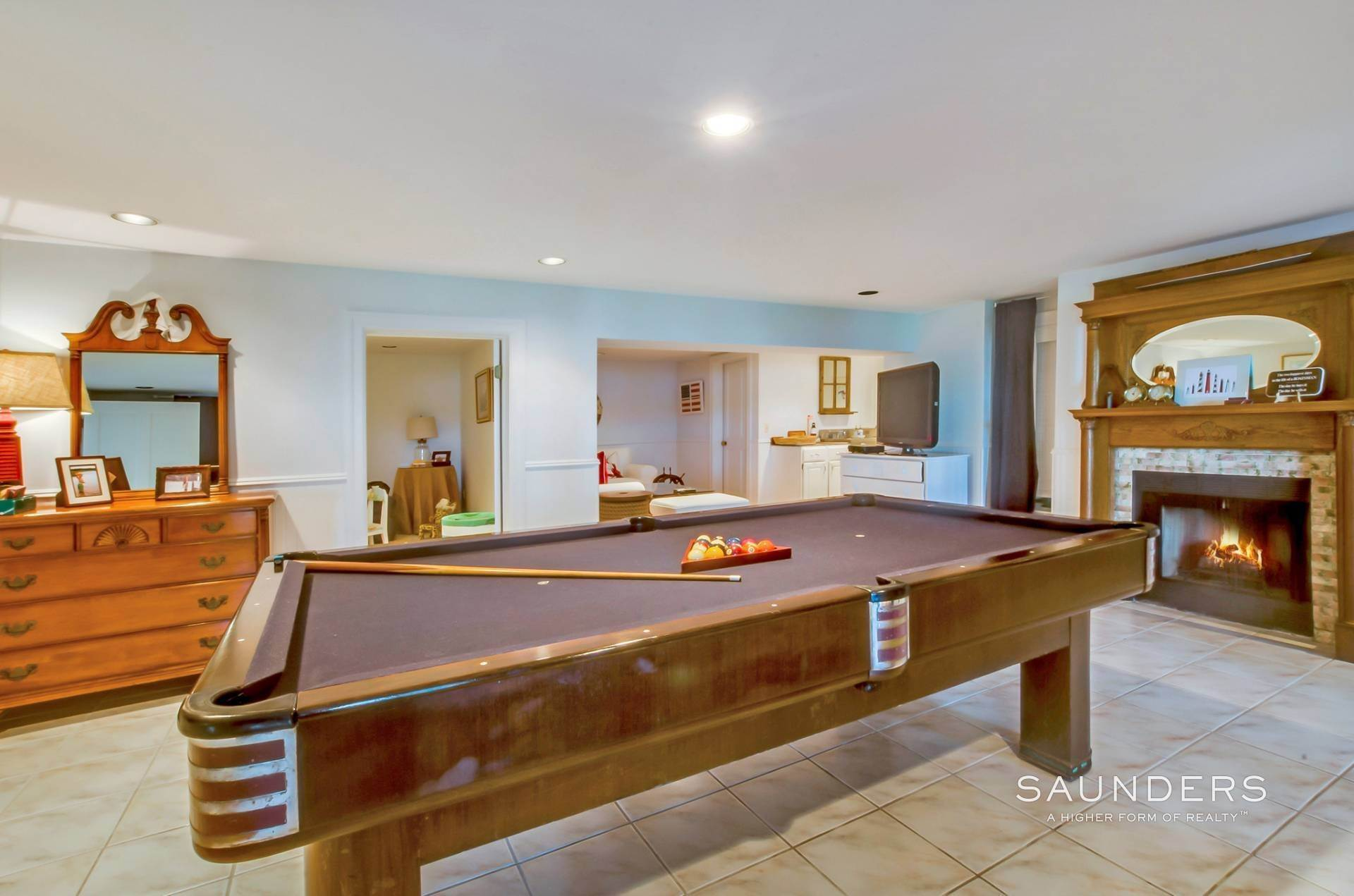 20. Single Family Homes for Sale at Estate Section Compound With Deep Water Dock, Sandy Beach, Pool 58 Westmoreland Drive, Shelter Island Heights, Shelter Island, NY 11964