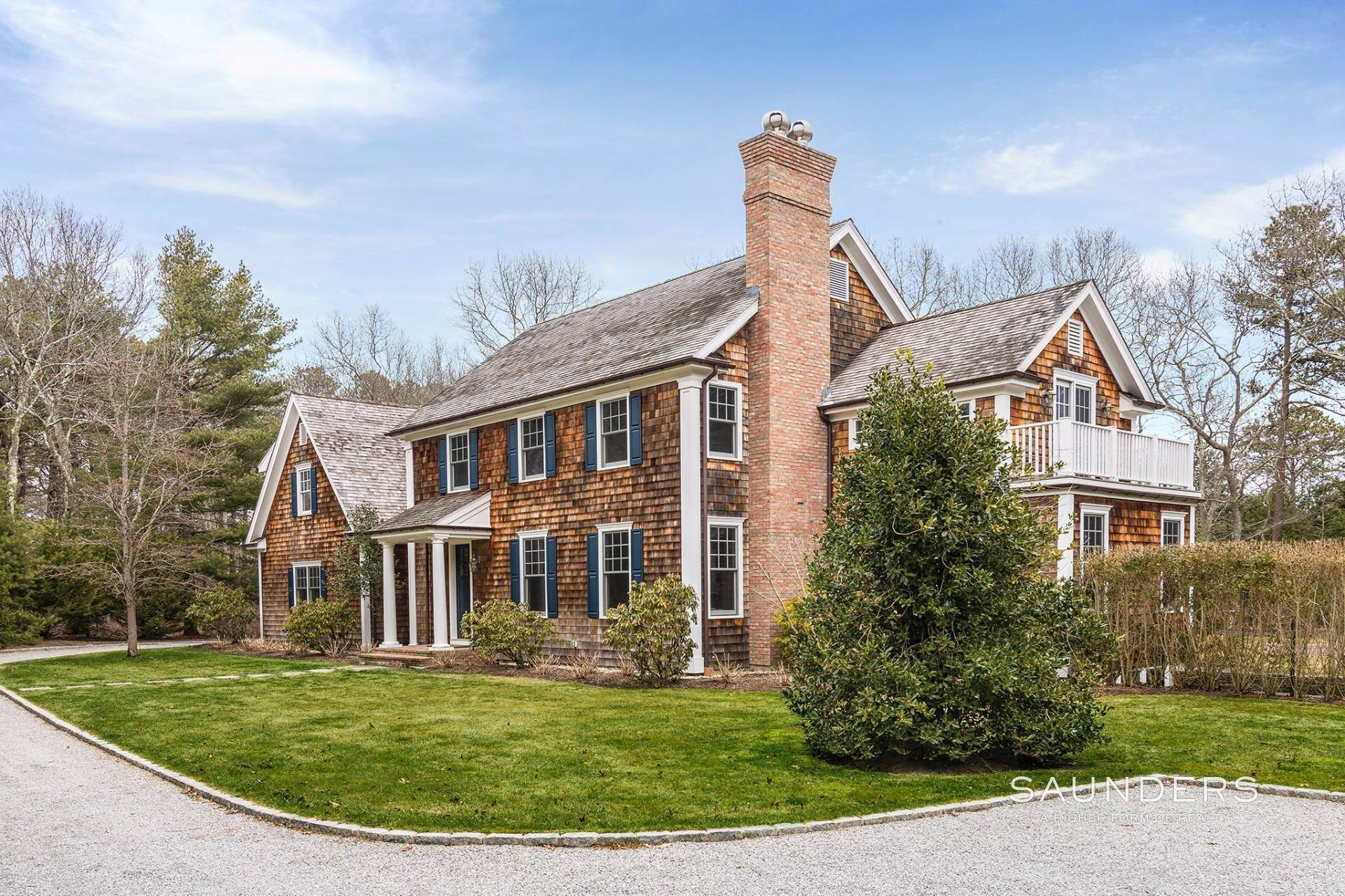 Single Family Homes at Stylsh East Hampton Traditional East Hampton, East Hampton Town, NY 11937