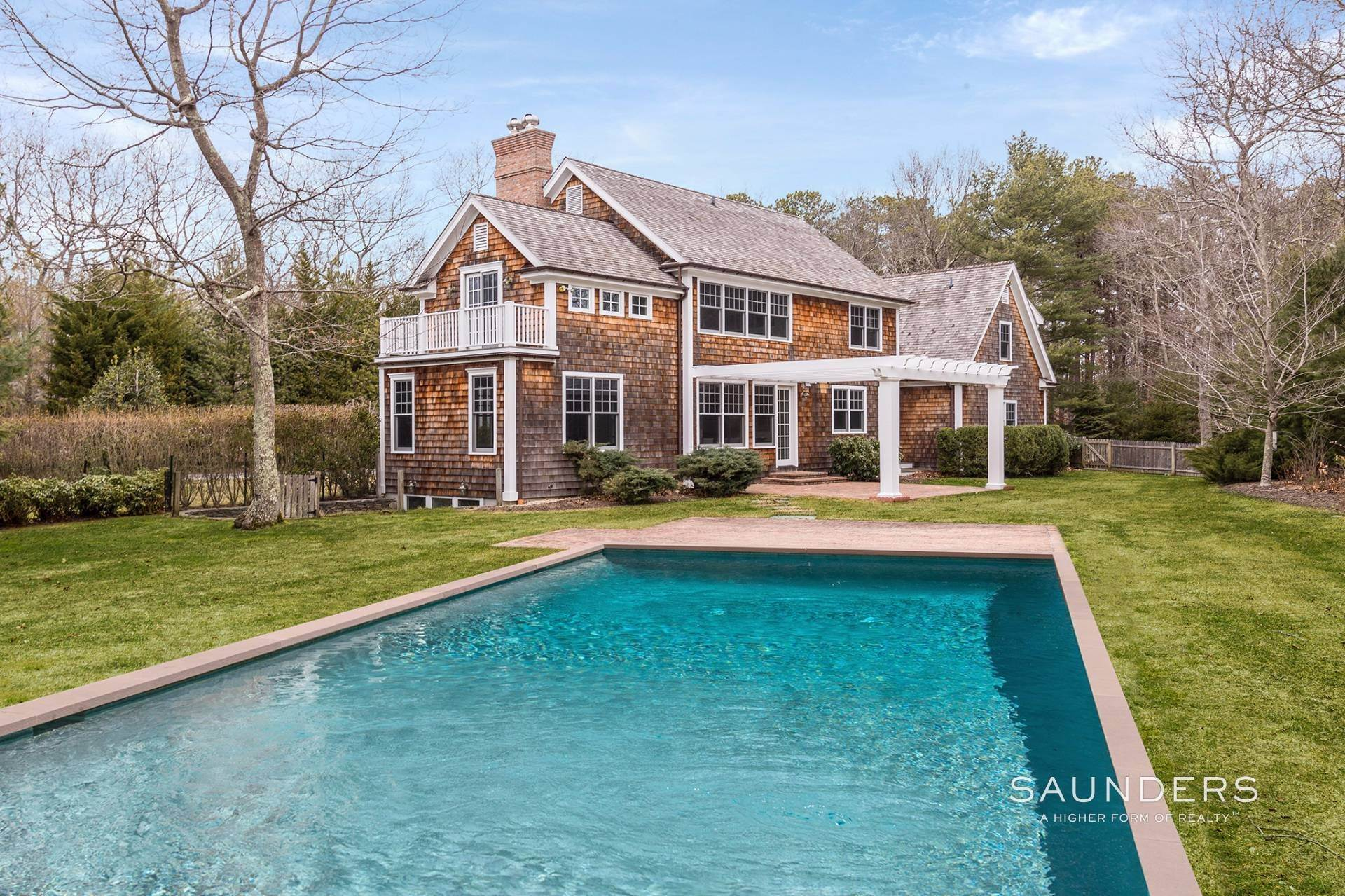 20. Single Family Homes at Stylsh East Hampton Traditional East Hampton, East Hampton Town, NY 11937