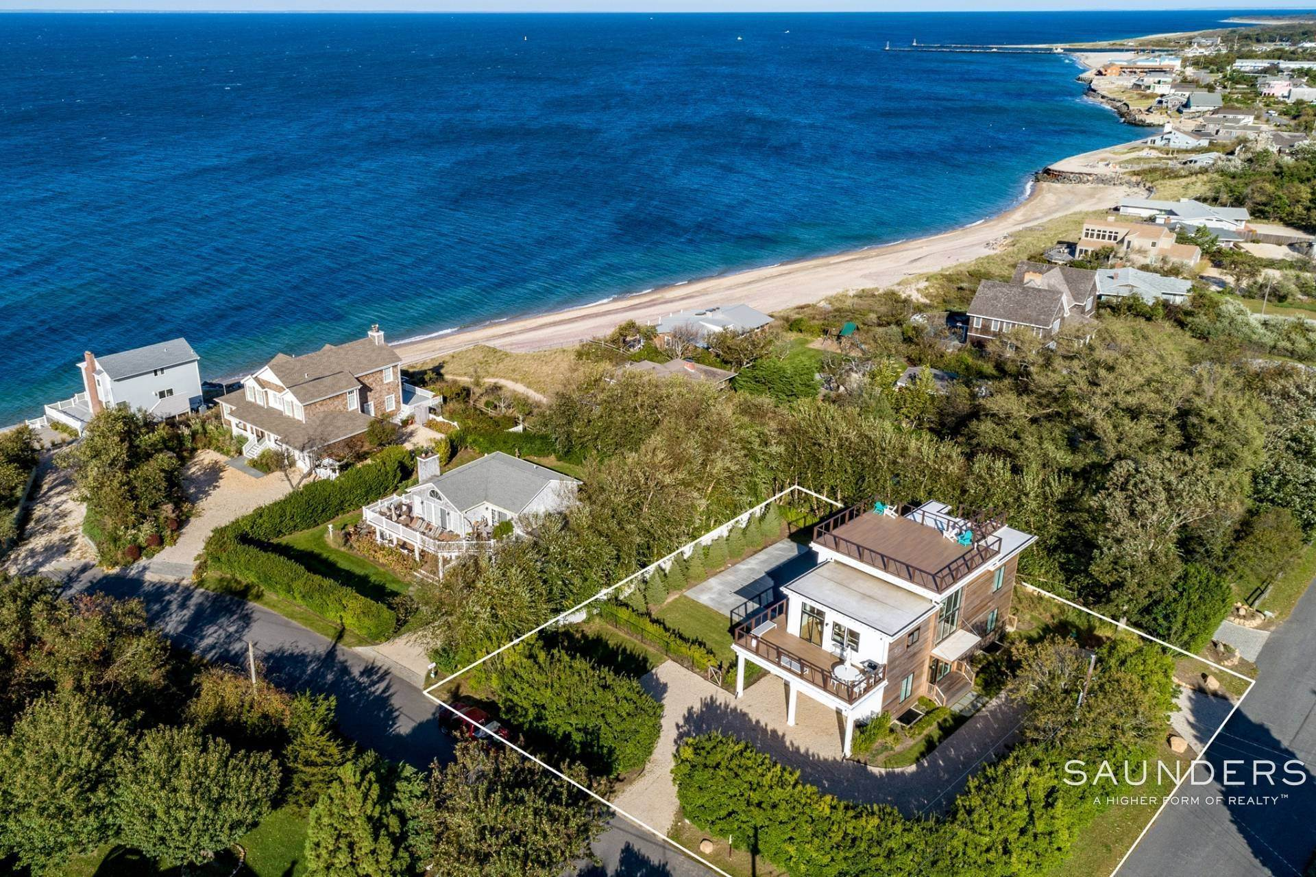 Single Family Homes for Sale at Modern Beach 2 Captain Kidds Path, Montauk, East Hampton Town, NY 11954