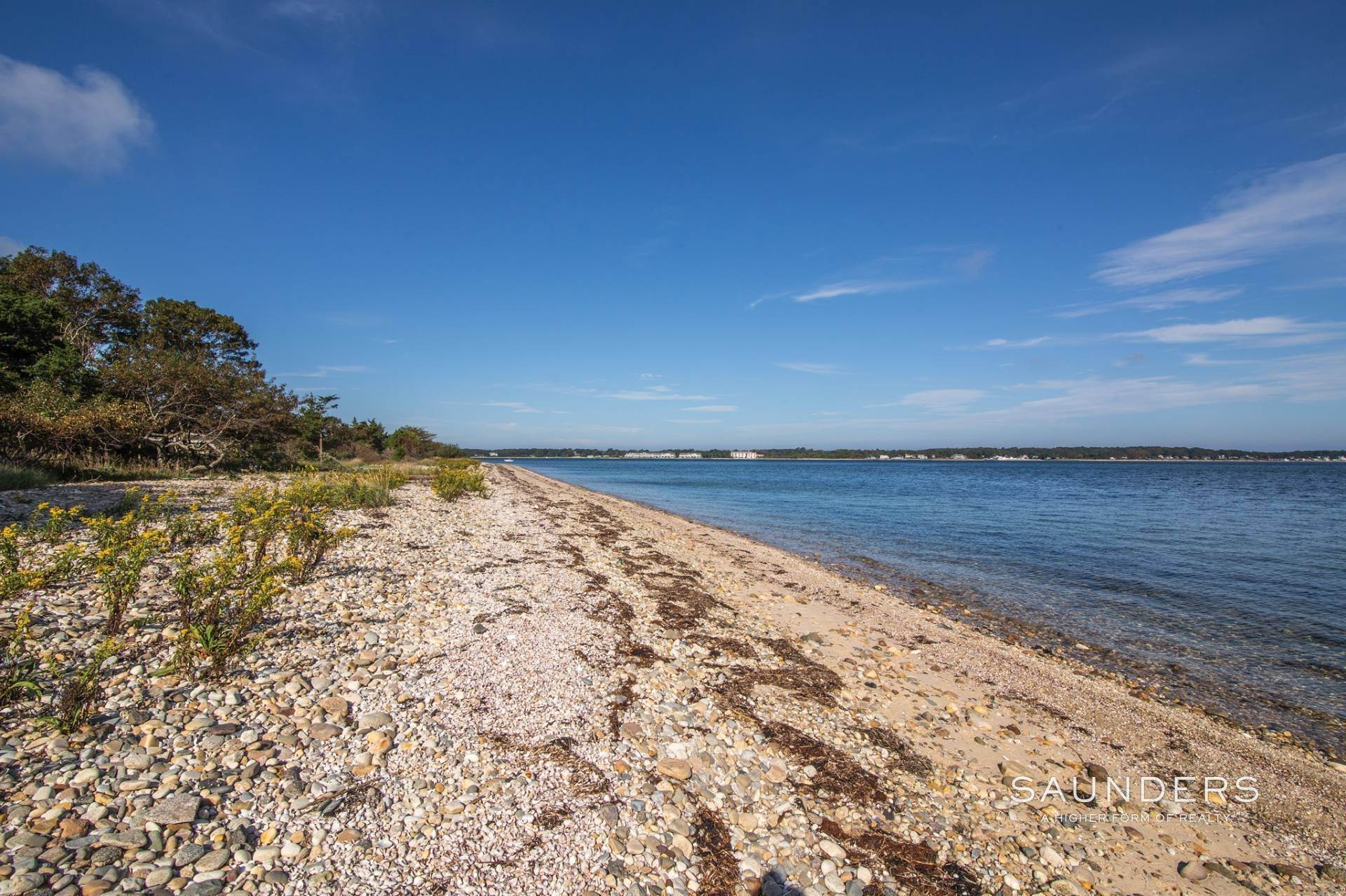 6. Single Family Homes for Sale at Shelter Island Bayfront With Infinity Edge Pool And Sandy Beach 17 Point Lane, Shelter Island Heights, Shelter Island, NY 11964