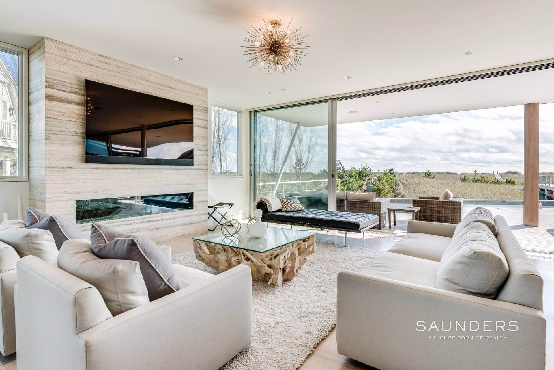 7. Single Family Homes for Sale at Modern Oceanfront Masterpiece 'Between The Bridges' Westhampton Beach Village, Southampton Town, NY 11968