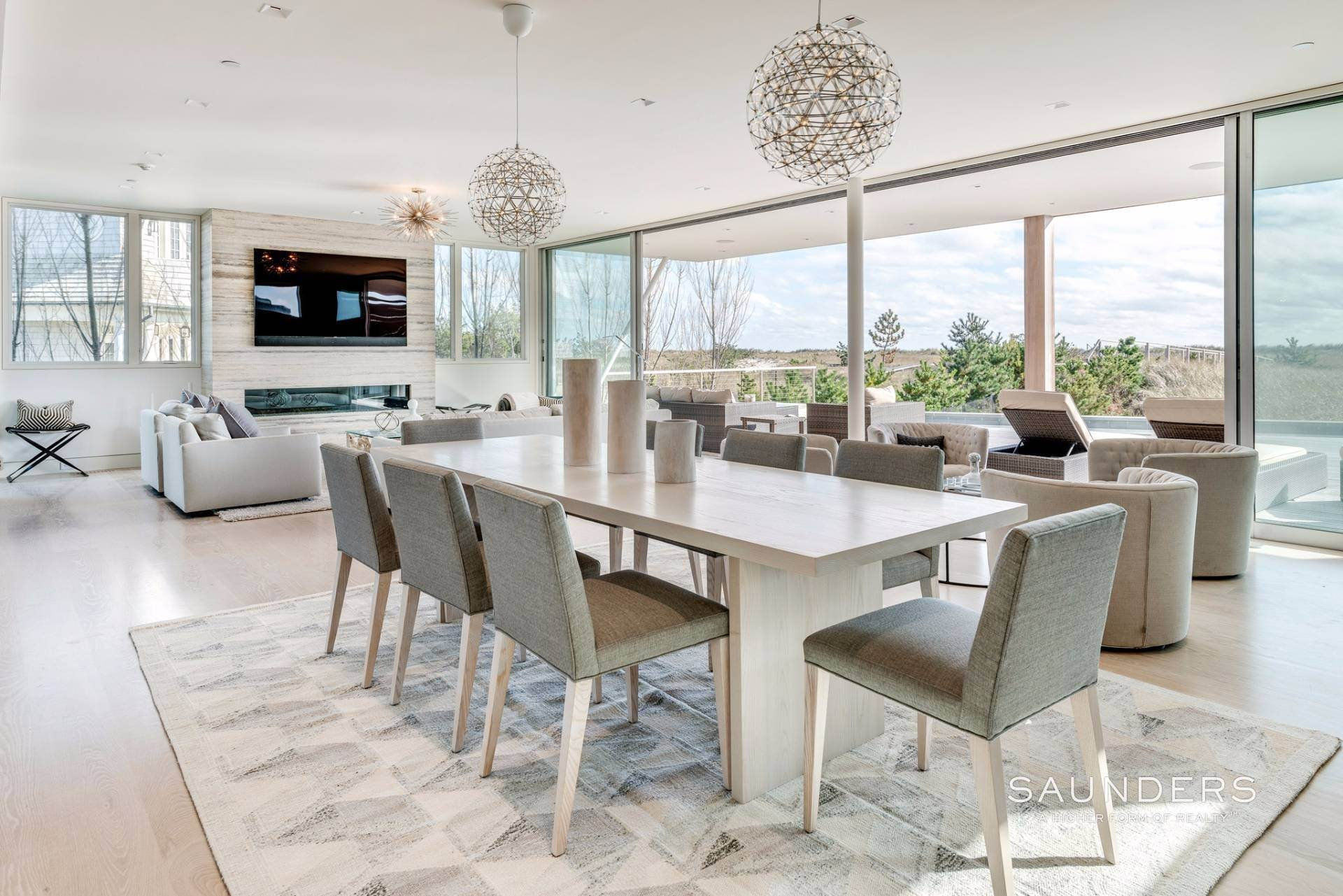 11. Single Family Homes for Sale at Modern Oceanfront Masterpiece 'Between The Bridges' Westhampton Beach Village, Southampton Town, NY 11968