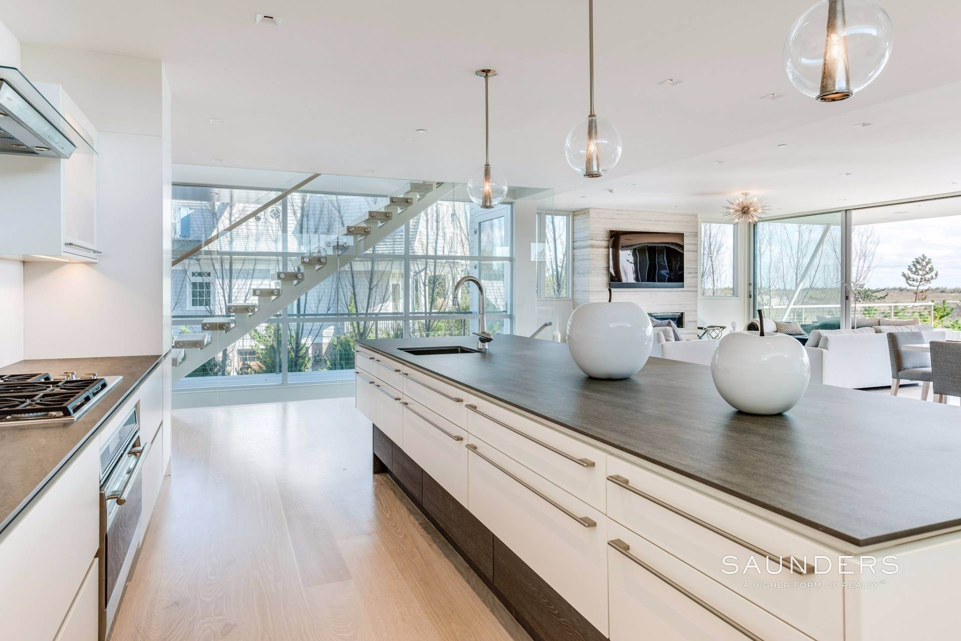 12. Single Family Homes for Sale at Modern Oceanfront Masterpiece 'Between The Bridges' Westhampton Beach Village, Southampton Town, NY 11968