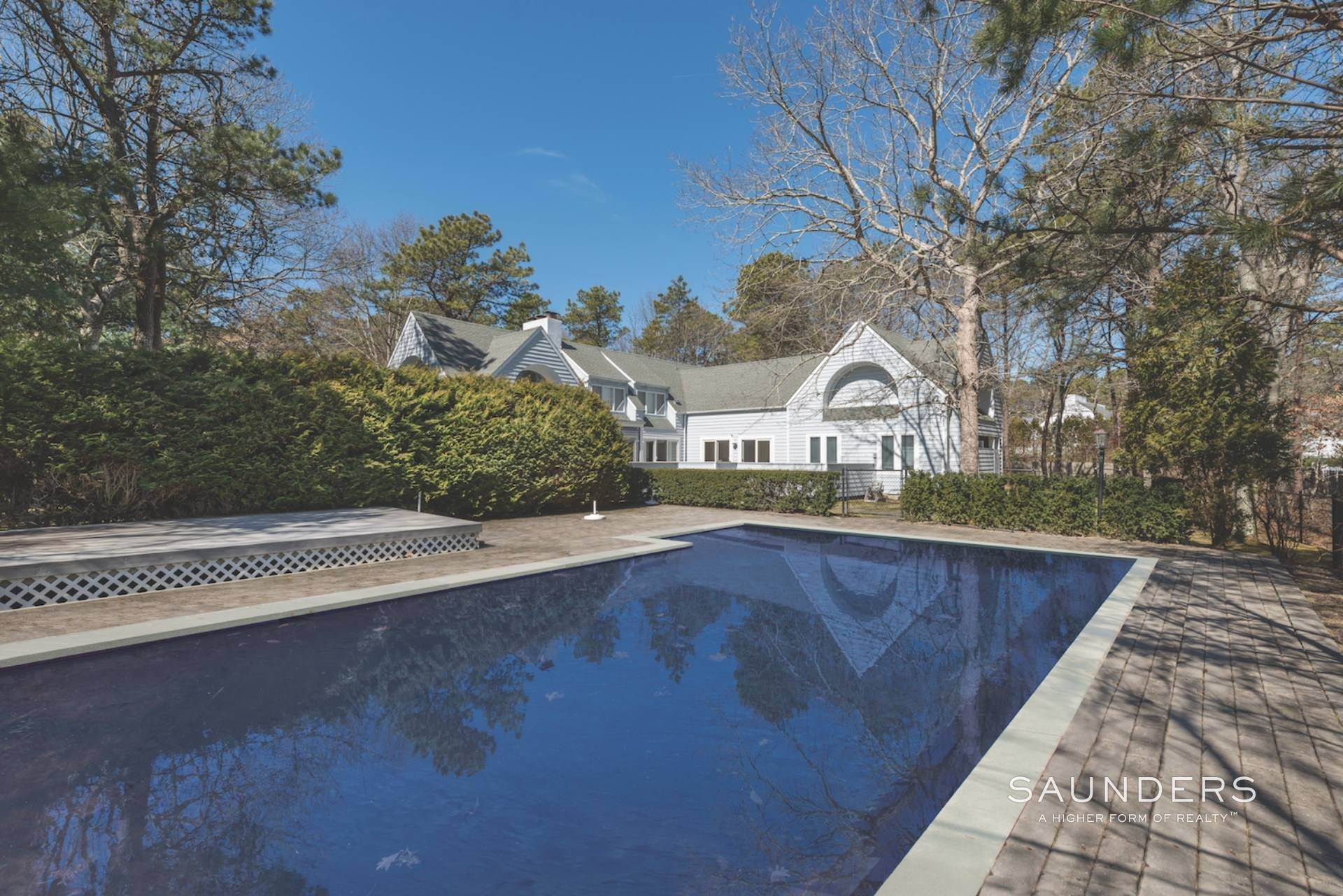 15. Single Family Homes at East Quogue Contemporary East Quogue, Southampton Town, NY 11942