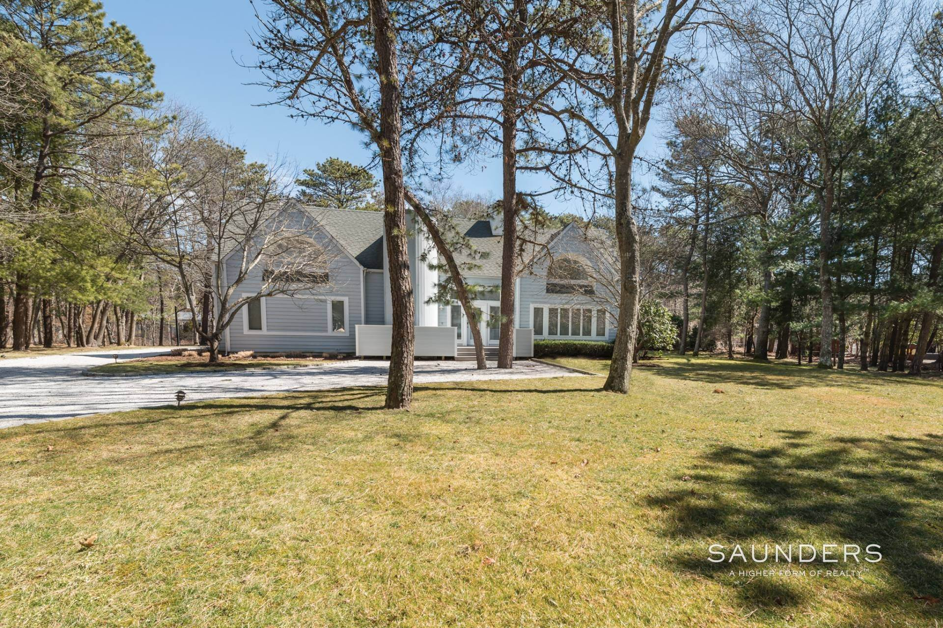 14. Single Family Homes at East Quogue Contemporary East Quogue, Southampton Town, NY 11942