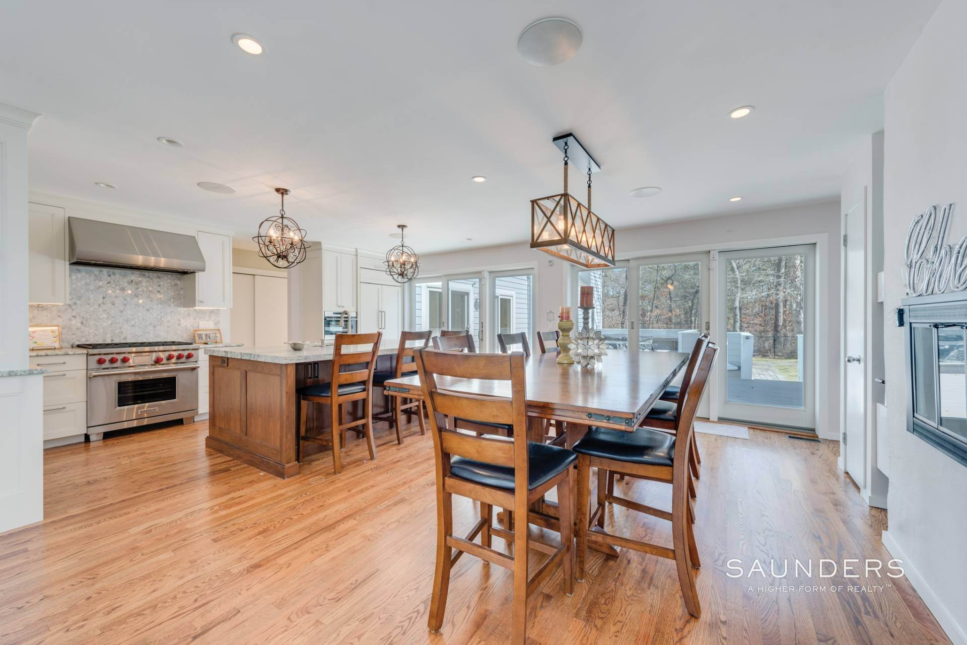 5. Single Family Homes at East Quogue Contemporary East Quogue, Southampton Town, NY 11942