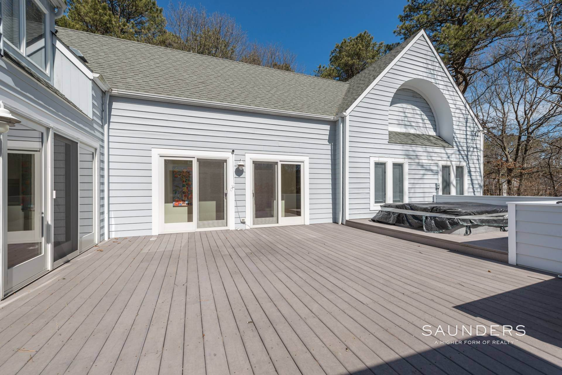 2. Single Family Homes at East Quogue Contemporary East Quogue, Southampton Town, NY 11942