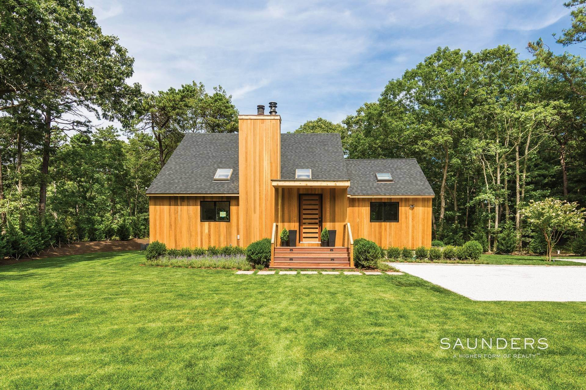 16. Single Family Homes at Exceptional Sleek Contemporary East Hampton, East Hampton Town, NY 11937
